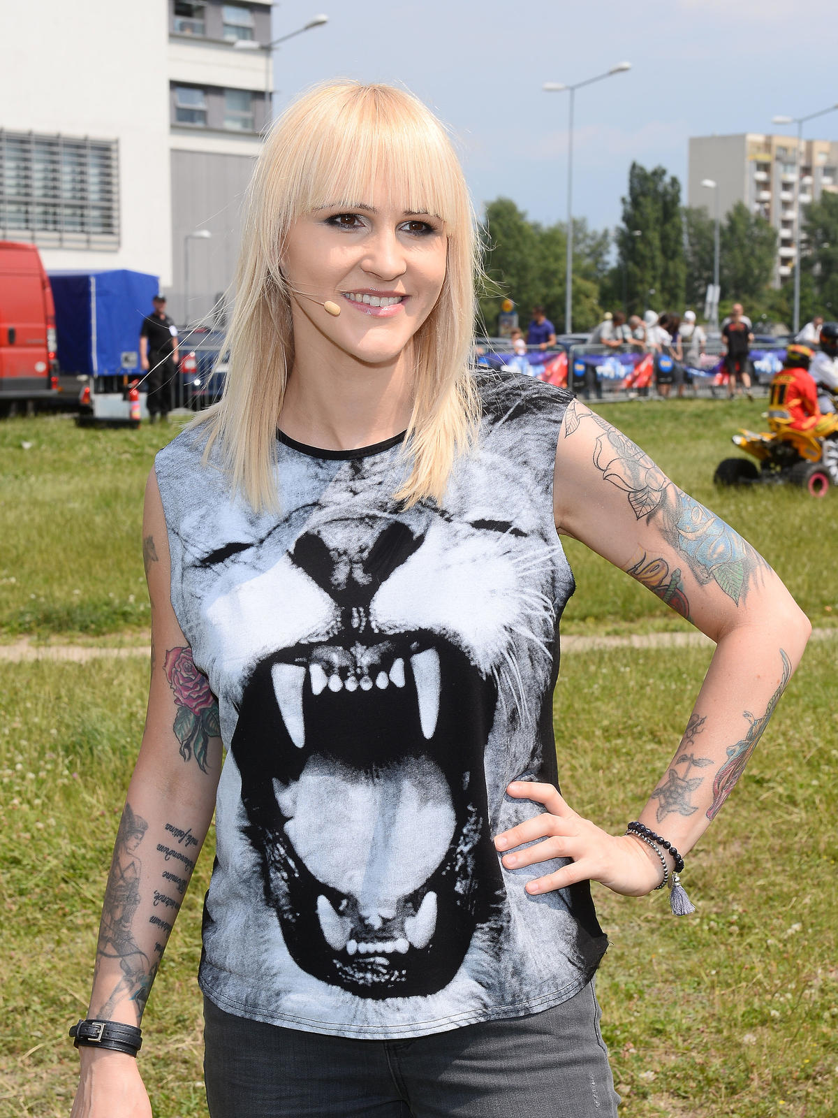 Agnieszka Chylińska w długich, blond włosach