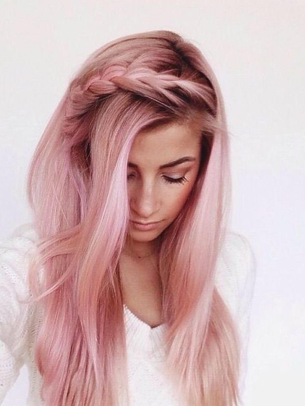 """Nowy trend - włosy w kolorze """"rose gold"""""""