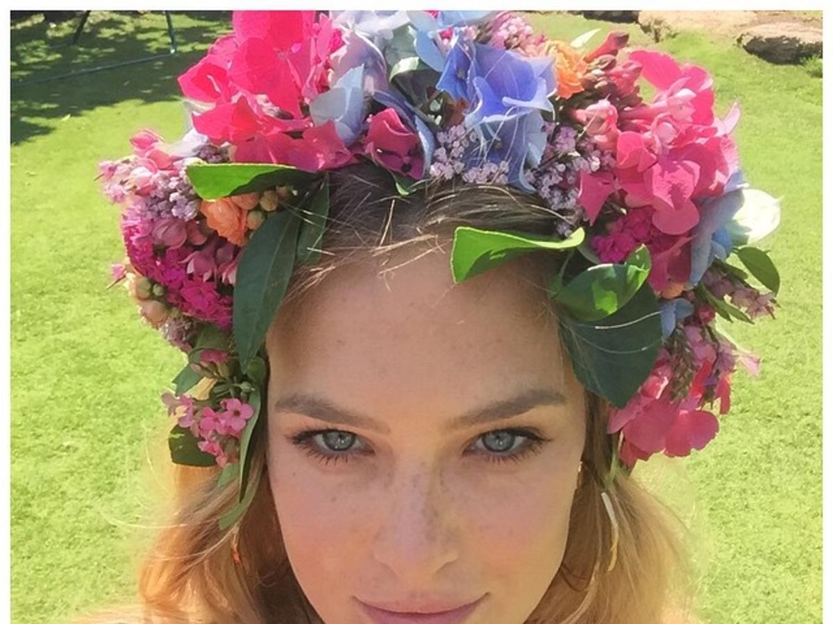 Bar Rafaeli w kwiatowym wianku