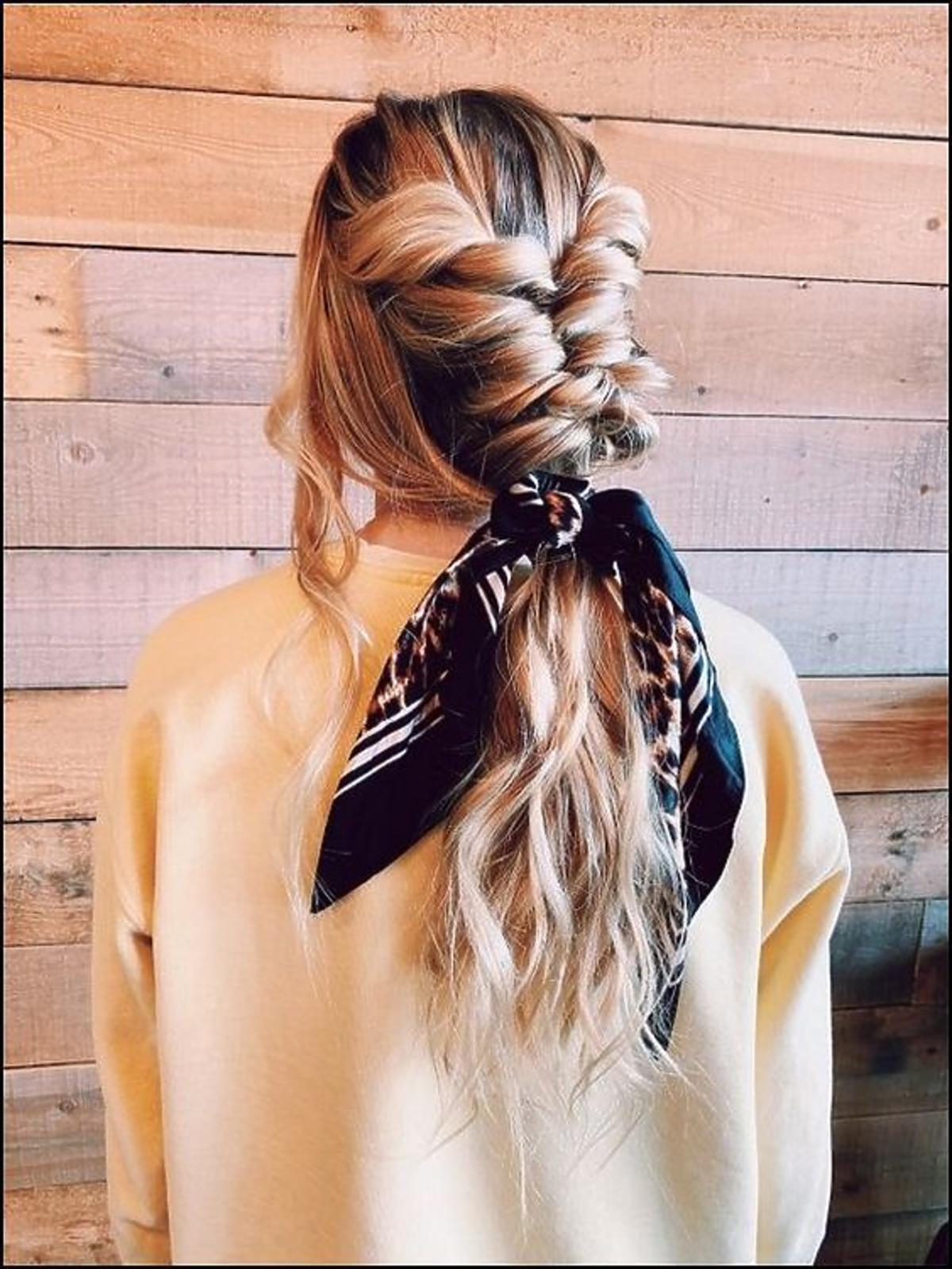 Warkocz - fryzura z luźnym splotem
