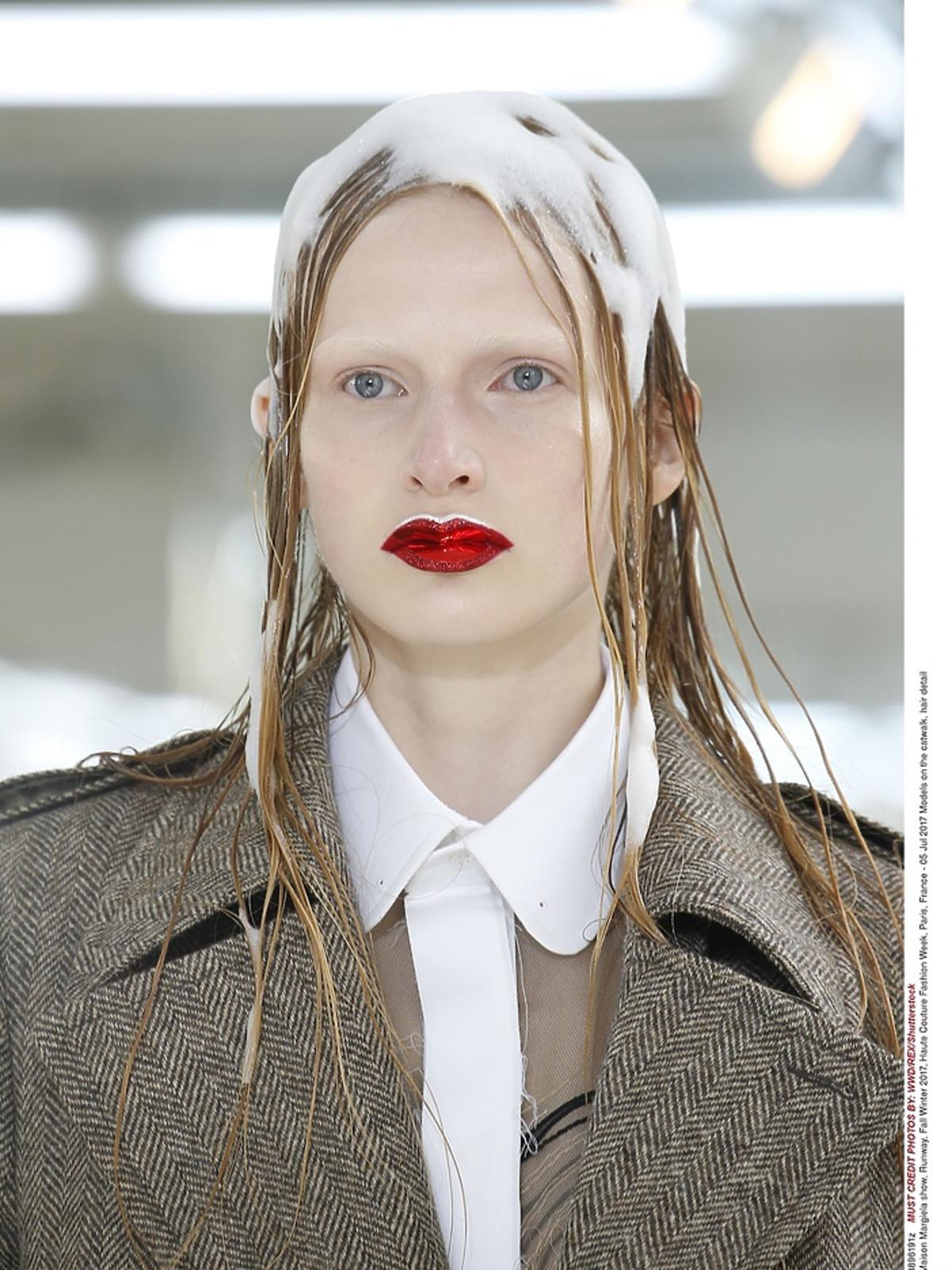 Efekt piany na włosach