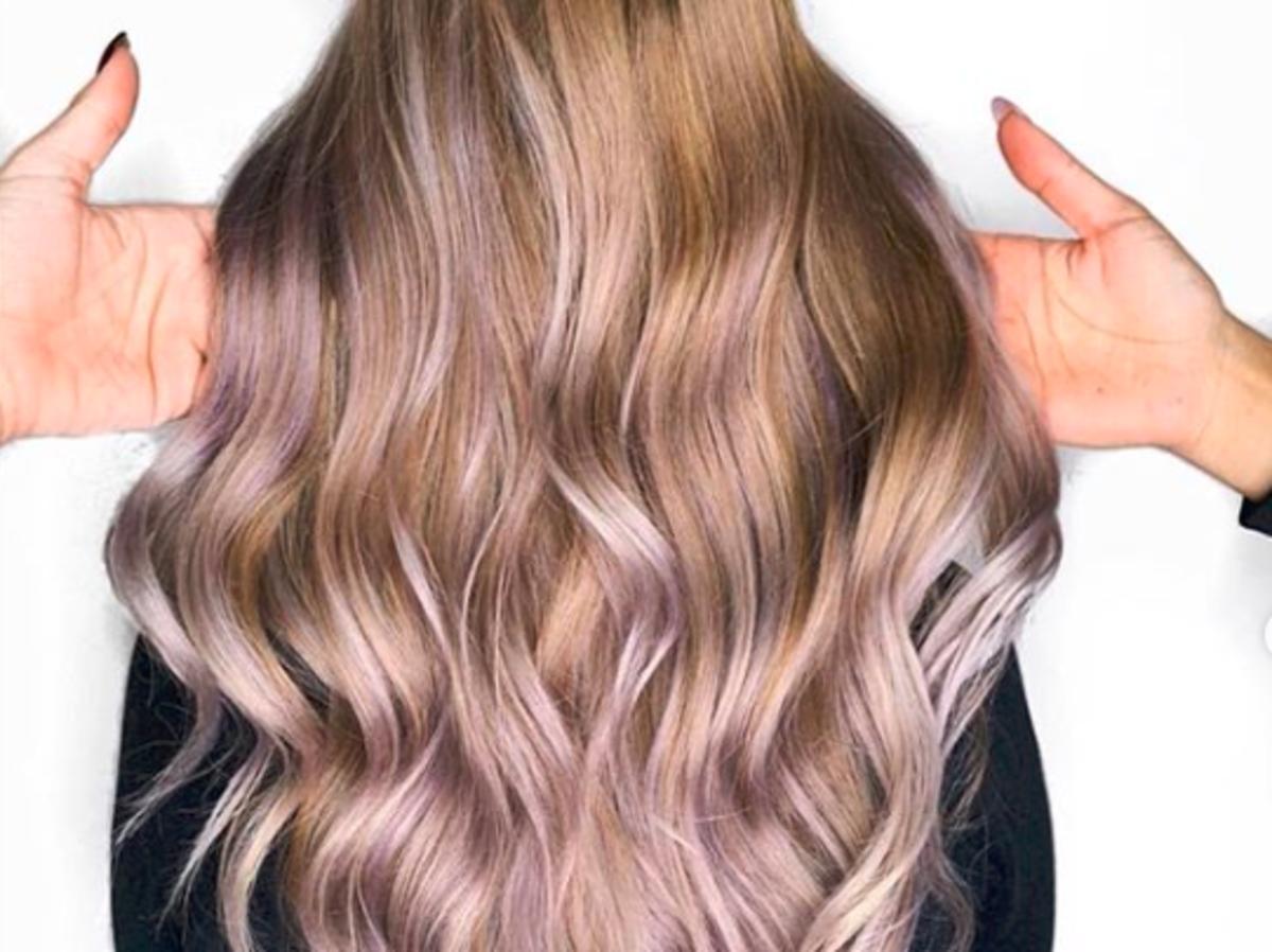 Fiołkowo-szampańskie włosy