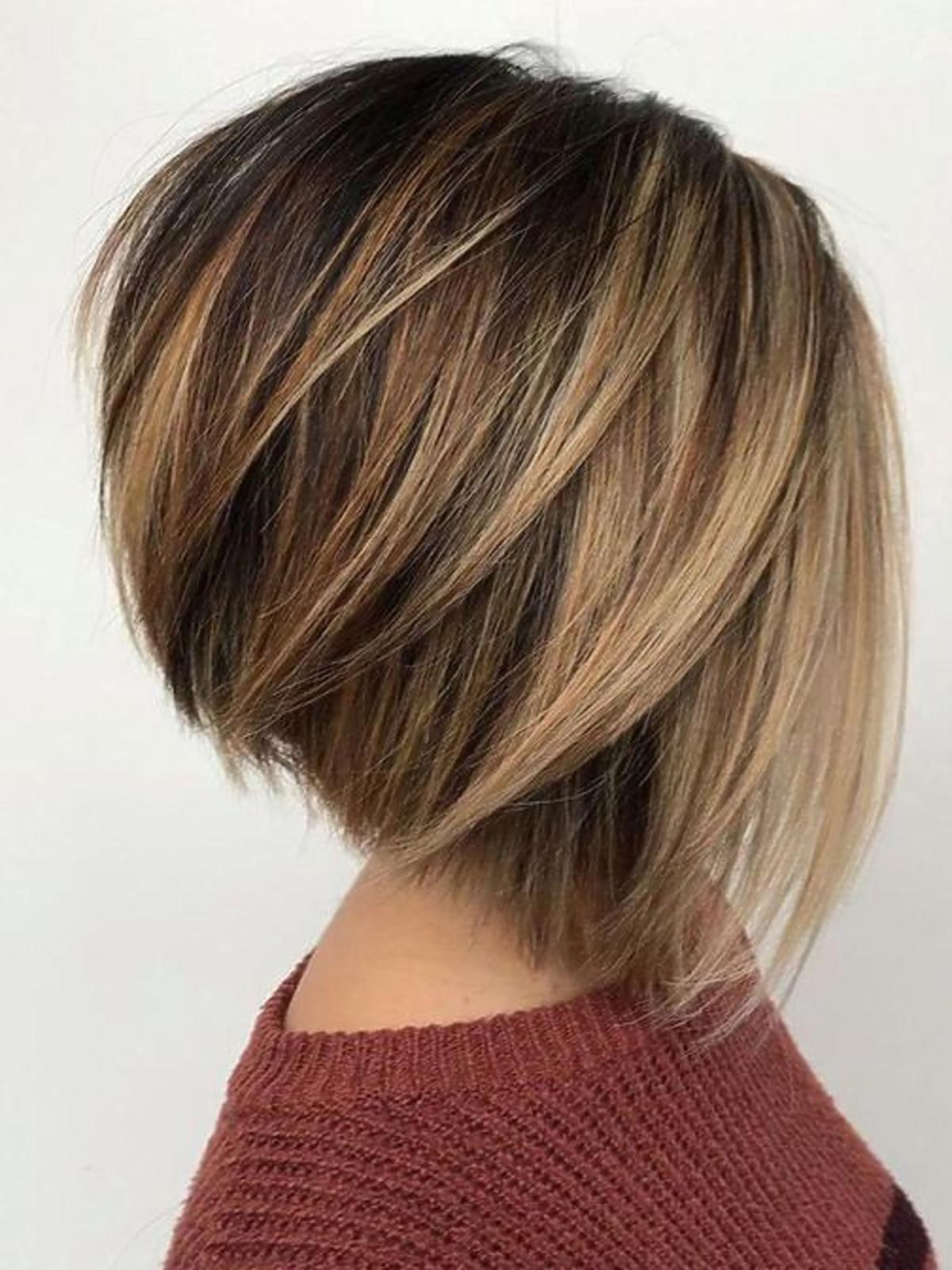 Modne fryzury: A Line Bob z uniesieniem
