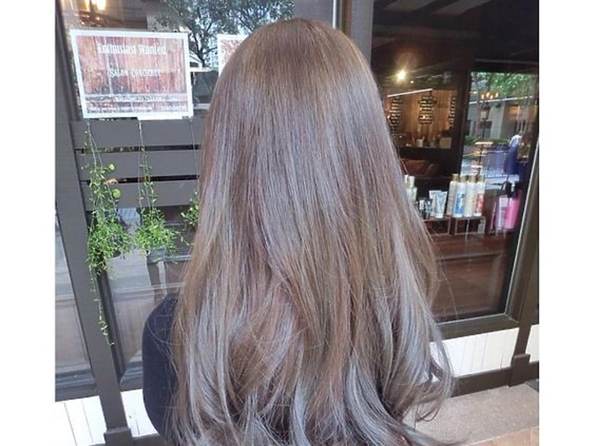 Koloryzacja ashy brown z nutą lawendy