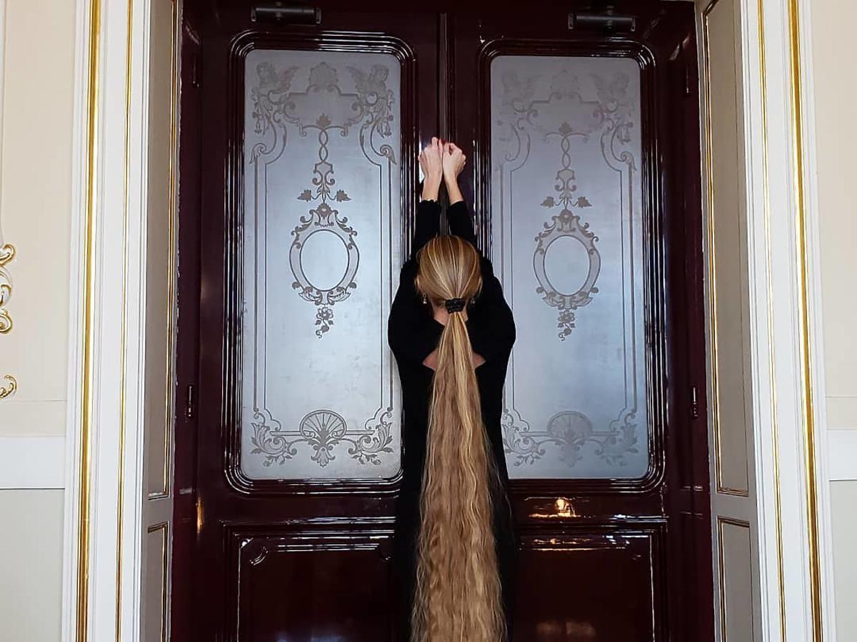 Alena Krawczenko - Ukrainka z prawie 2-metrowymi włosami