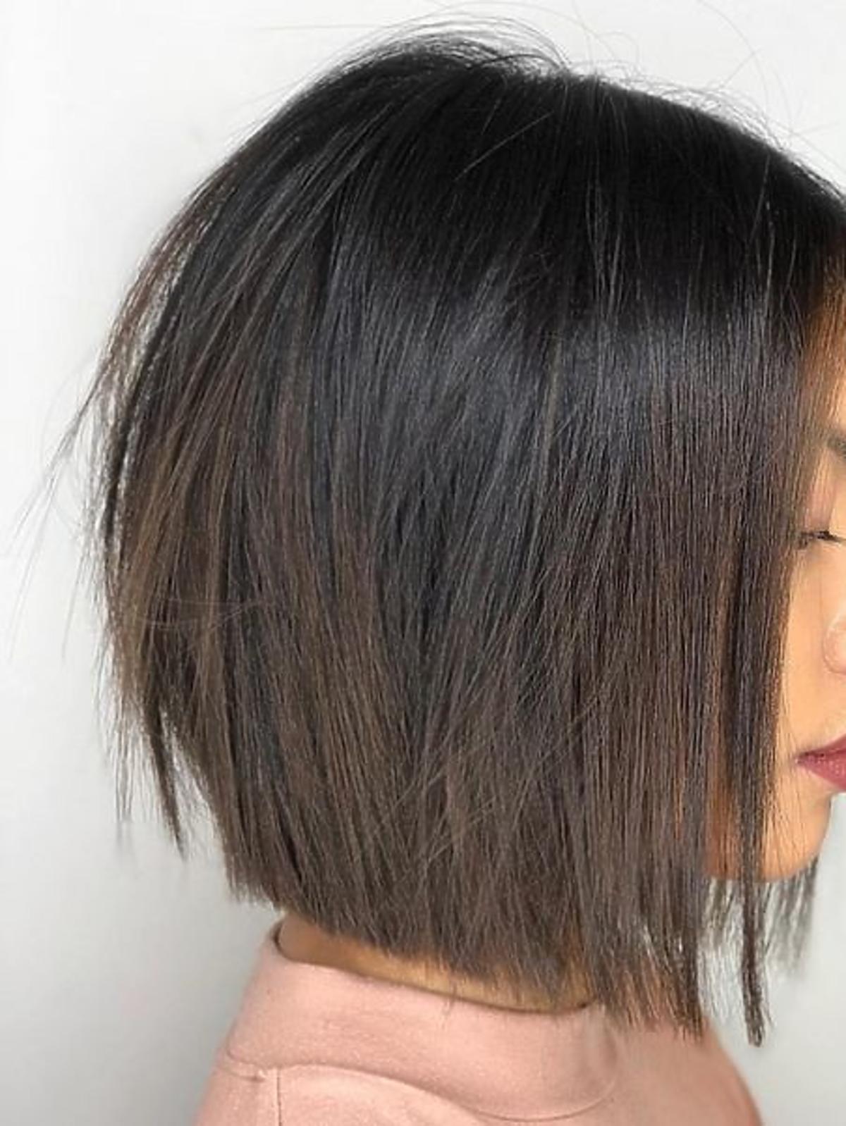 Modne fryzury - klasyczny midi bob
