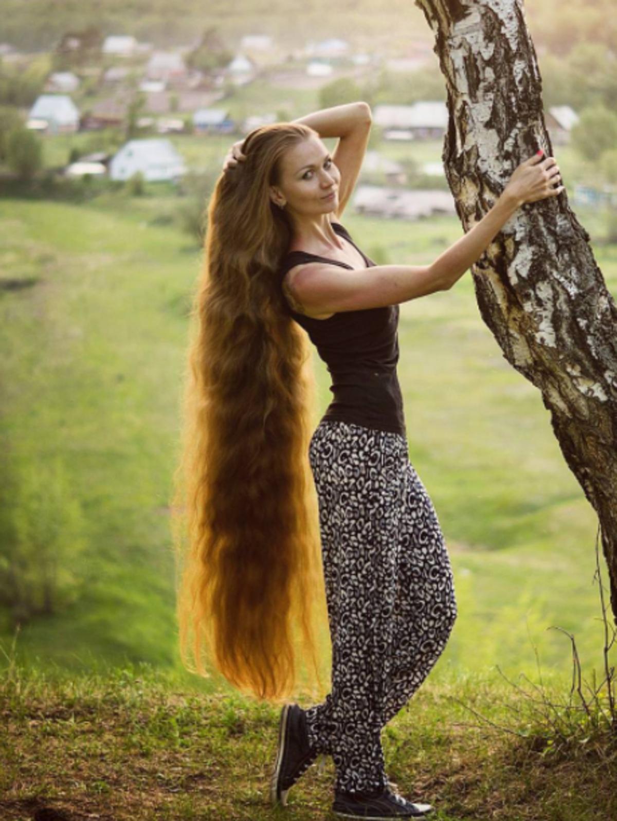 Rosyjska Roszpunka - ta dziewczyna od 14 lat nie obcina włosów
