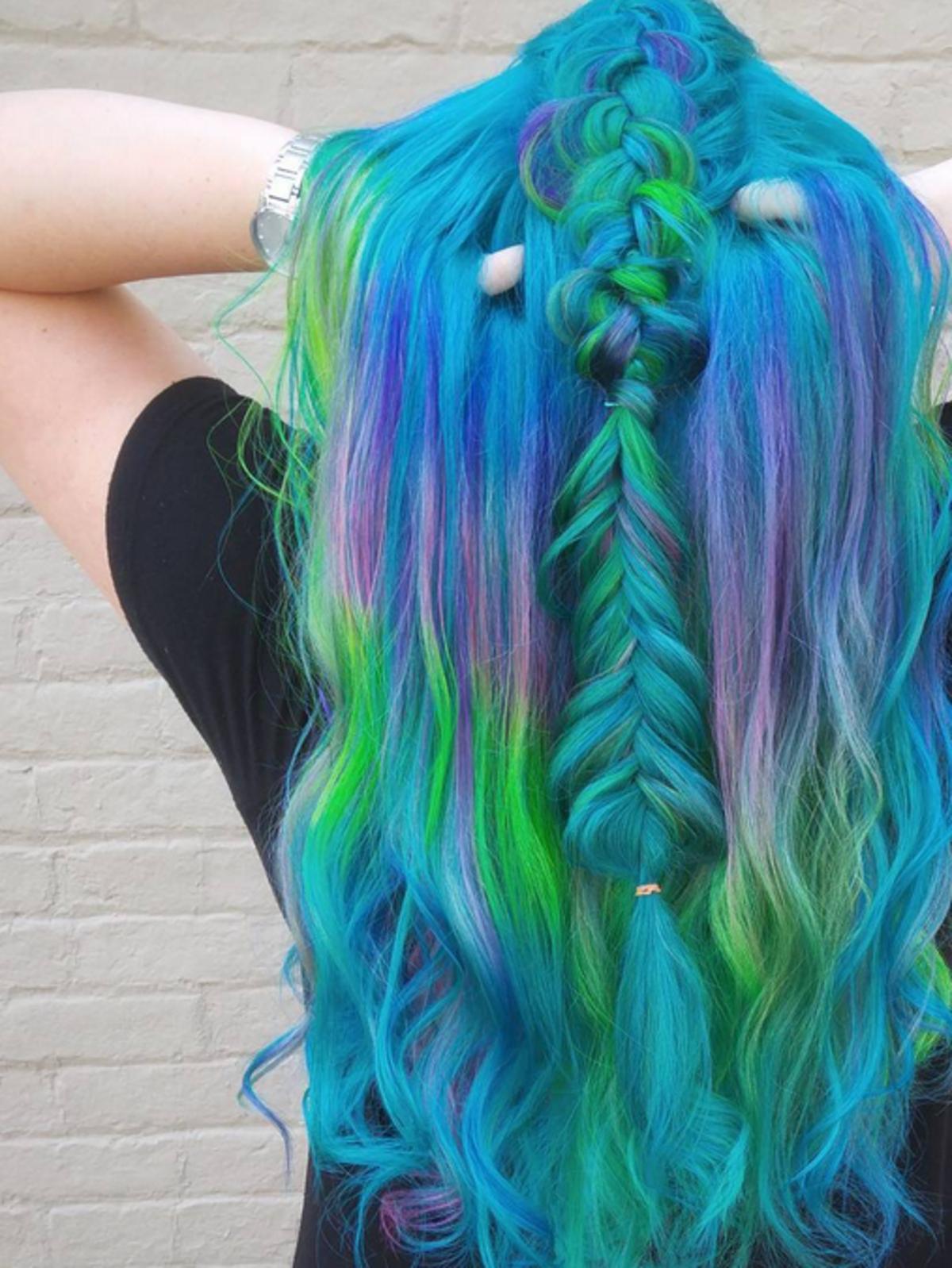 Ocean hair - najmodniejsza koloryzacja na lato 2017