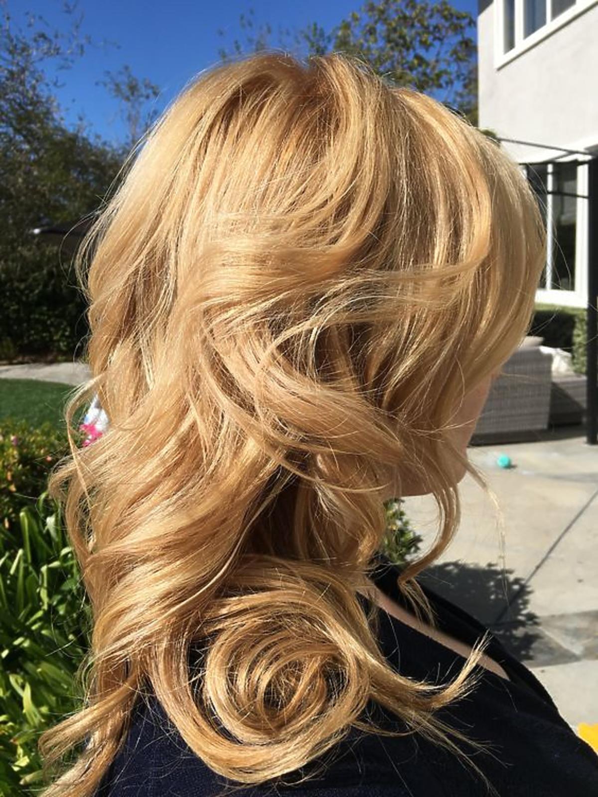 Koloryzacja buttery blonde