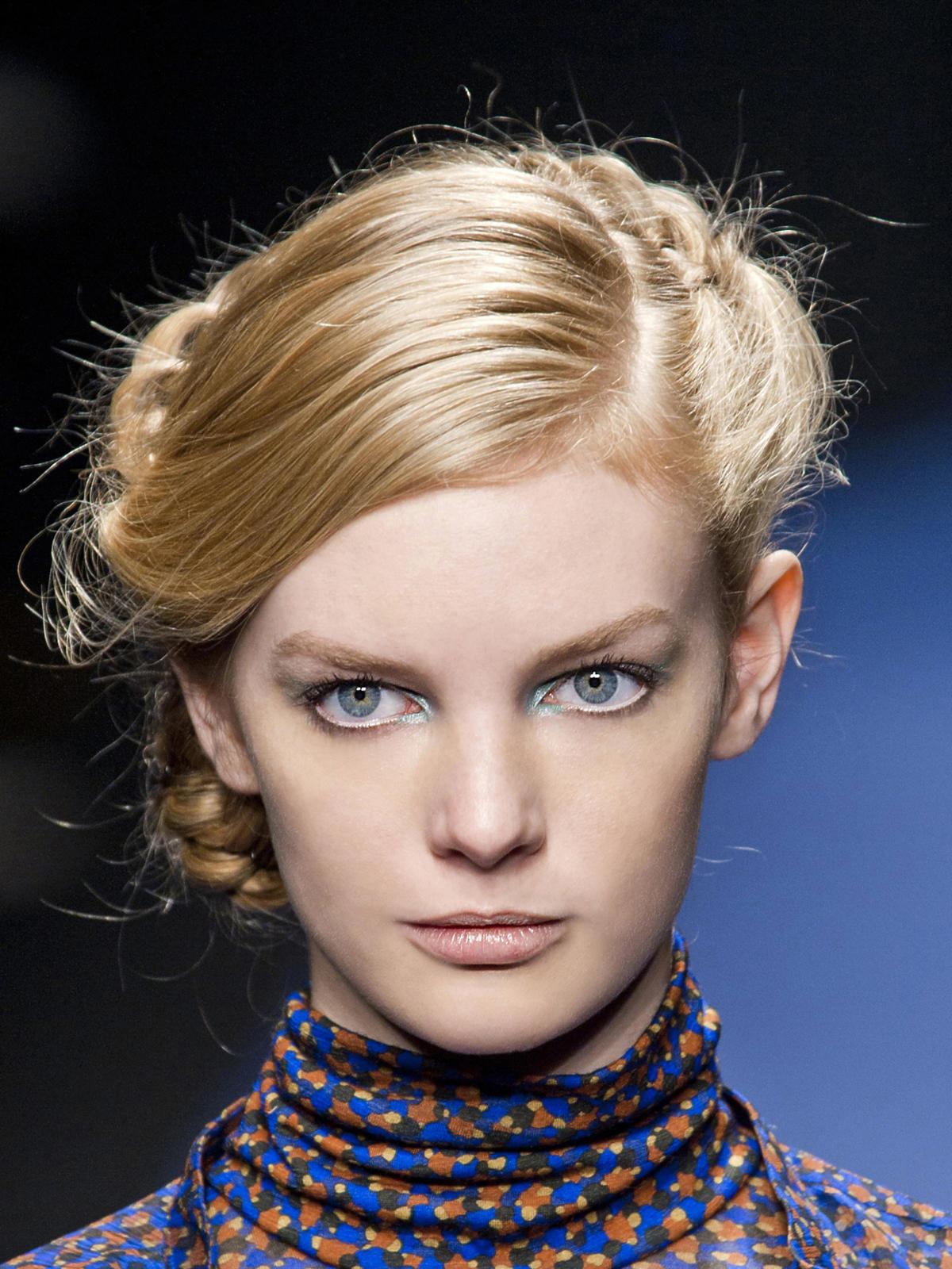 Retro fryzura Kristina T, jesień 2013