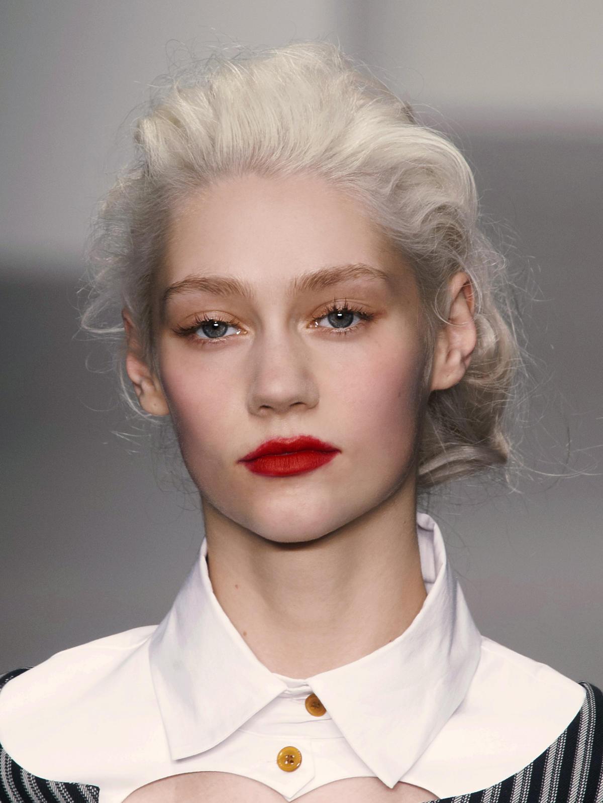 Platynowy blond Westwood na jesień 2014