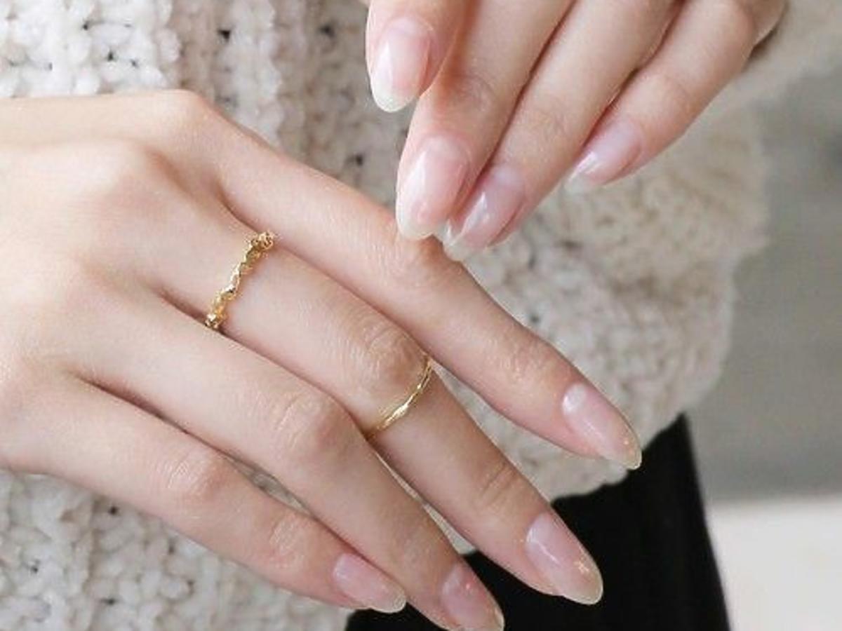 bare nails modne paznokcie 2020