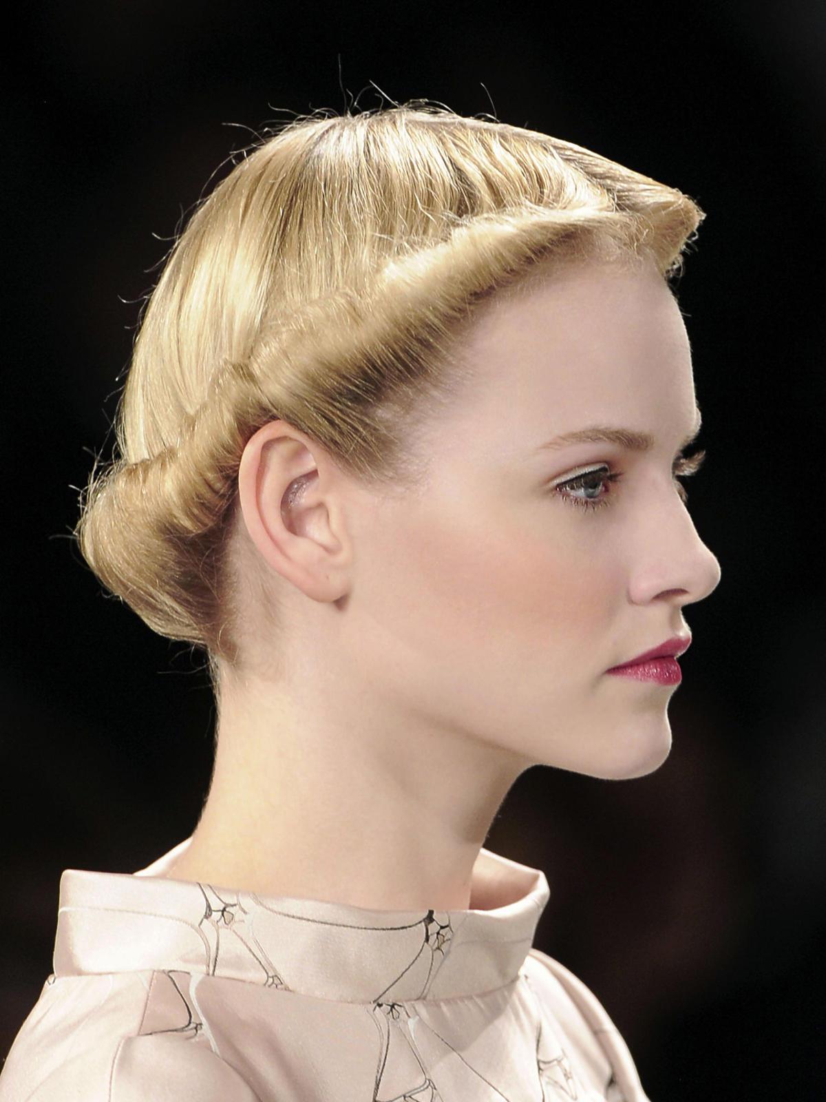 Retro fryzura Herrera, jesień 2013