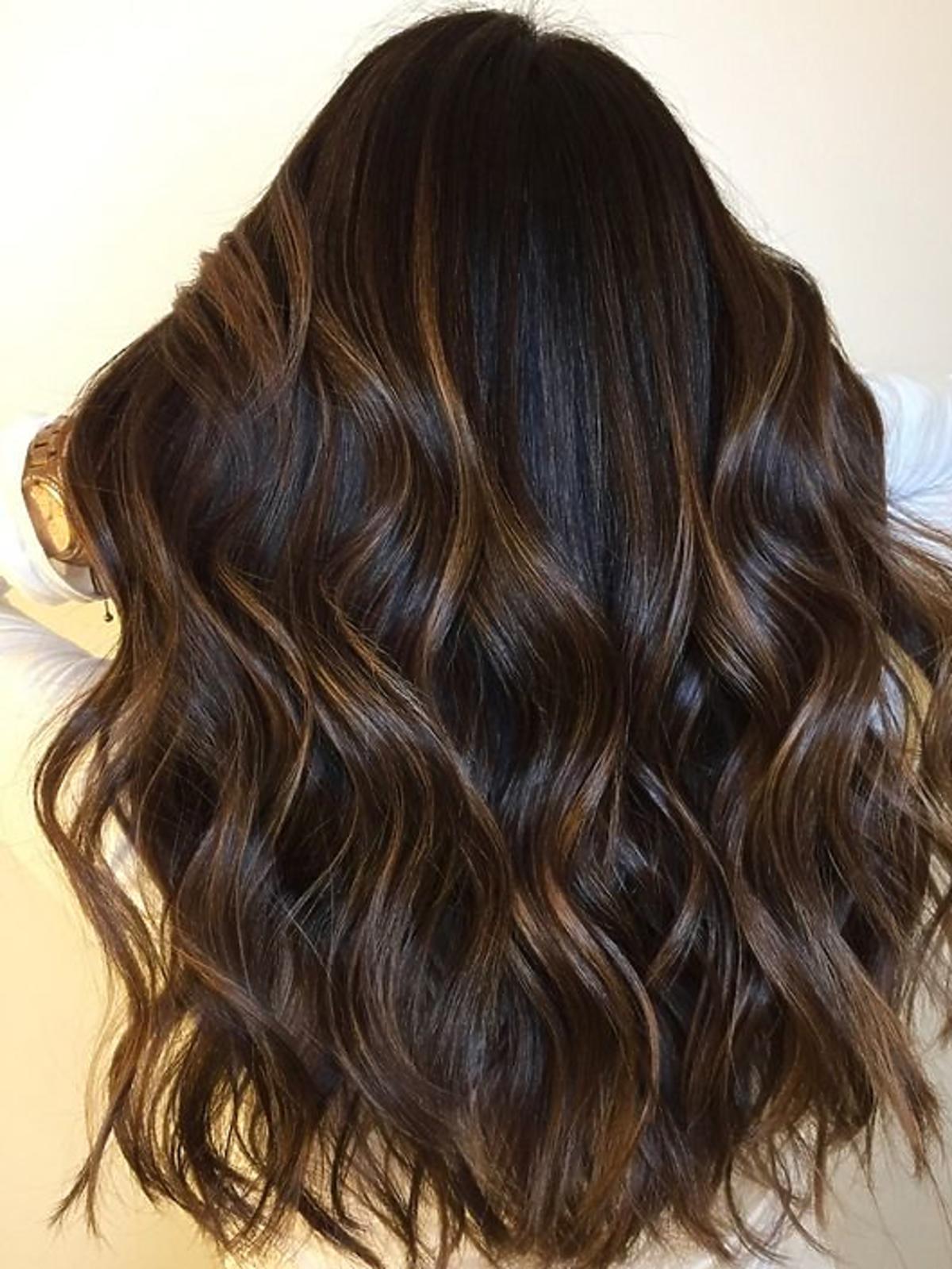 Modna koloryzacja włosów 2020 - Cold Brew Hair