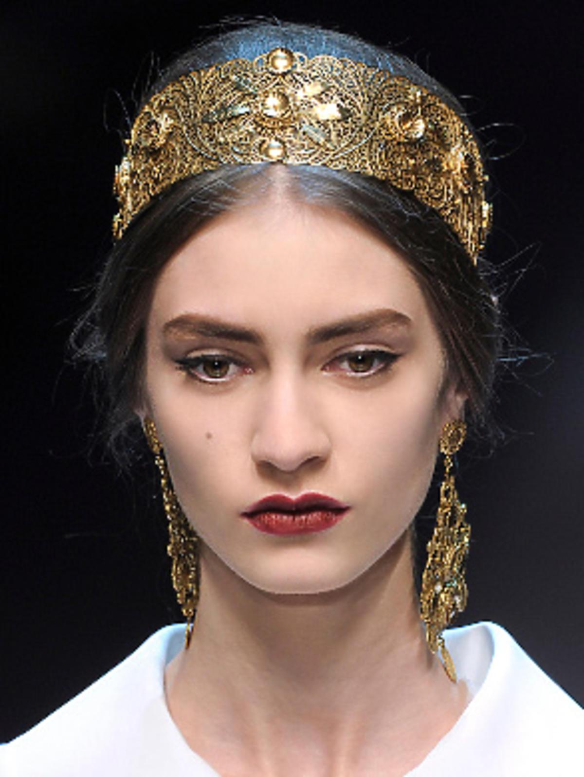 Dolce&Gabbana - bogato zdobione, biżuteryjne ozdoby XXL