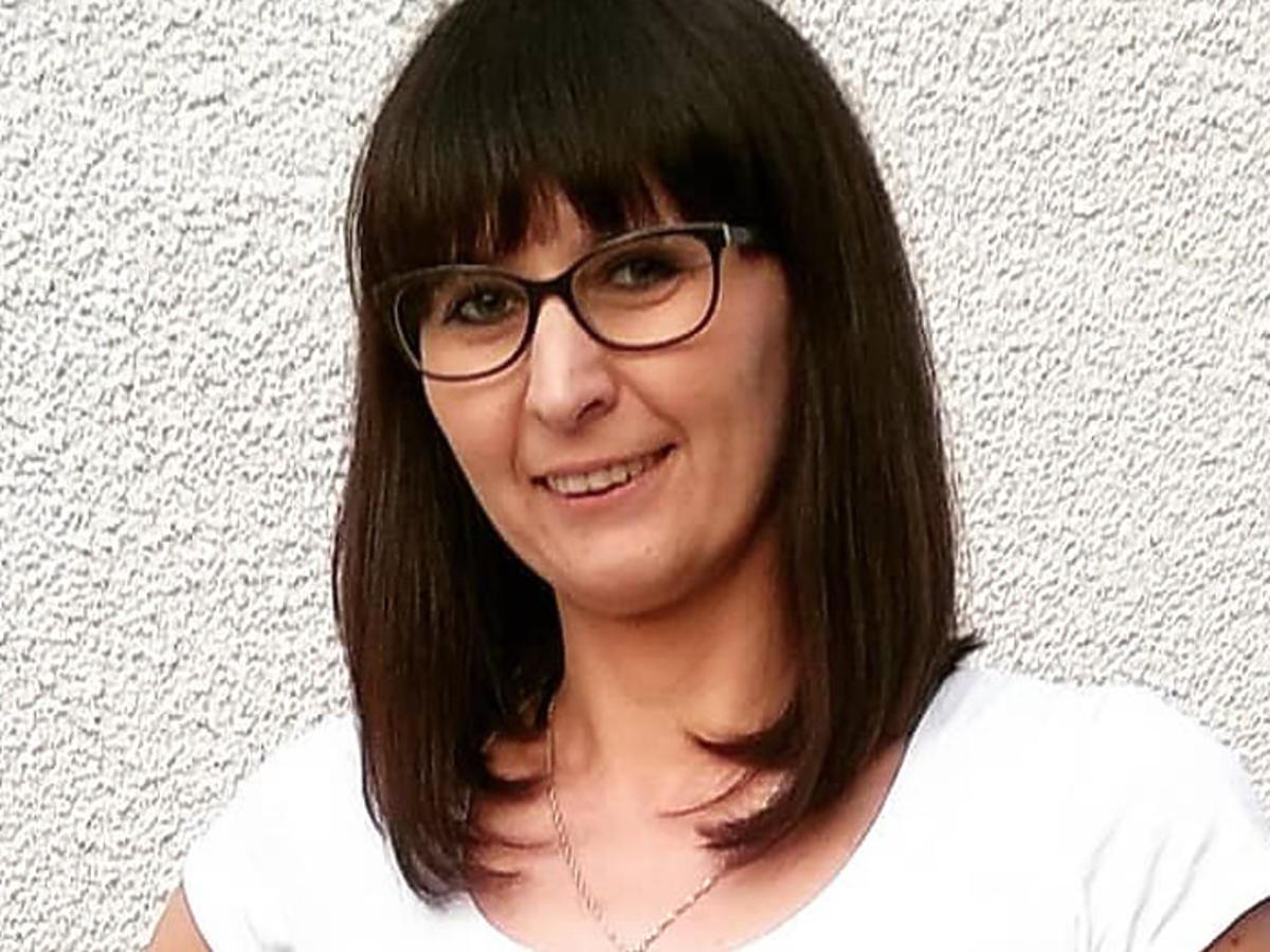 Agata Rusak z Rolnik szuka żony w kostiumie kąpielowym