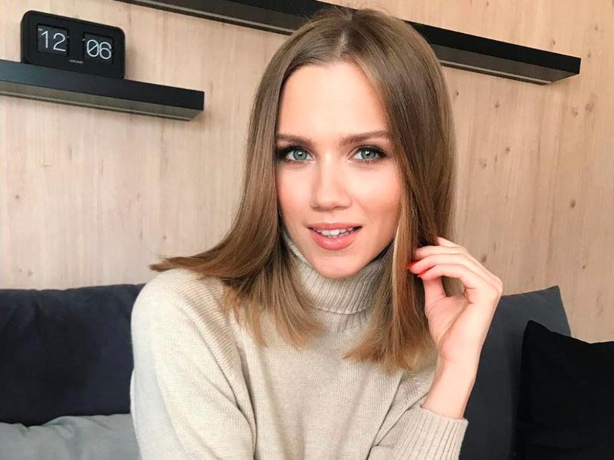 Agnieszka Kaczorowska w supermodnych butach z sieciówki z wyprzedaży