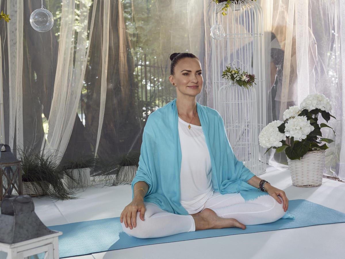 Agnieszka Maciąg ćwiczy jogę