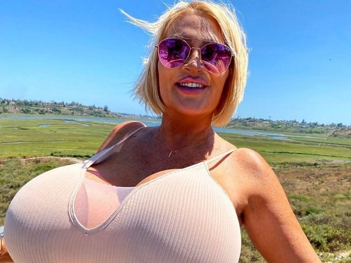 Allegra Cole - chce mieć największe piersi na świecie