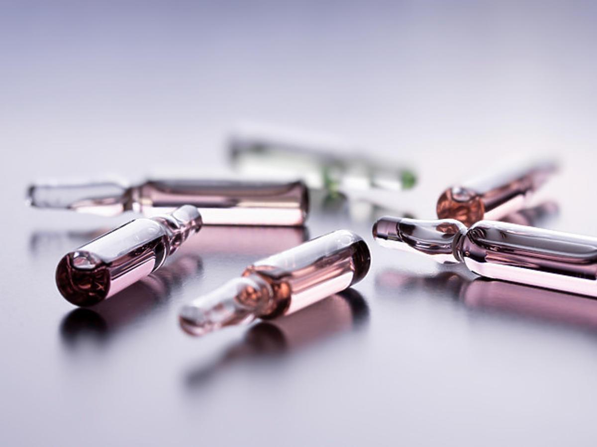 ampułki z kwasem hialuronowym