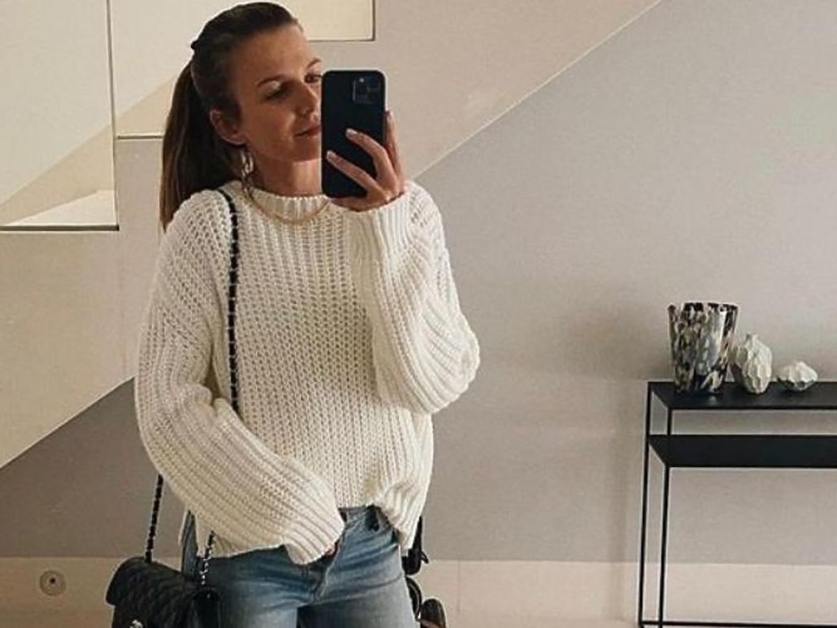 Anna Lewandowska w modnym swetrze