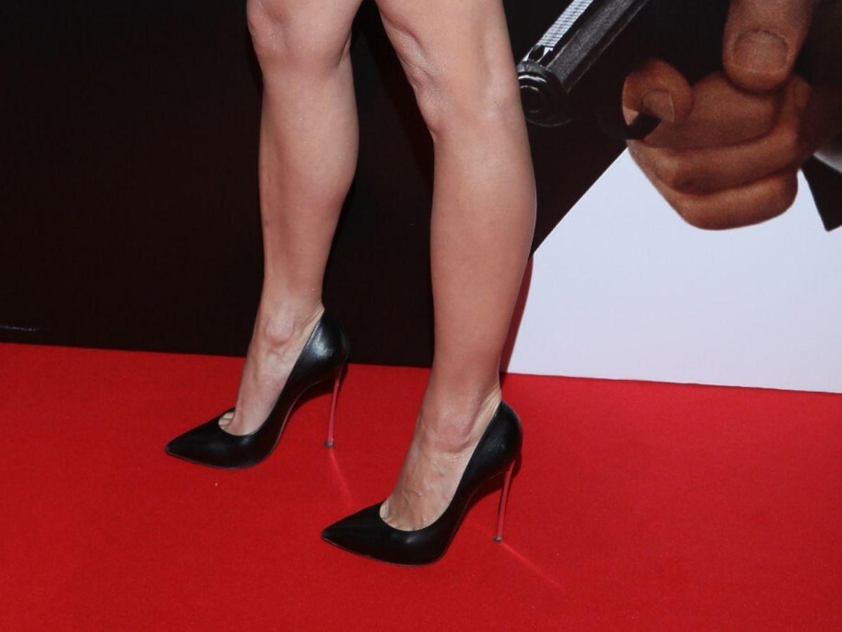 Anna Wendzikowska w szpilkach z przezroczystym obcasem na premierze nowego Bonda