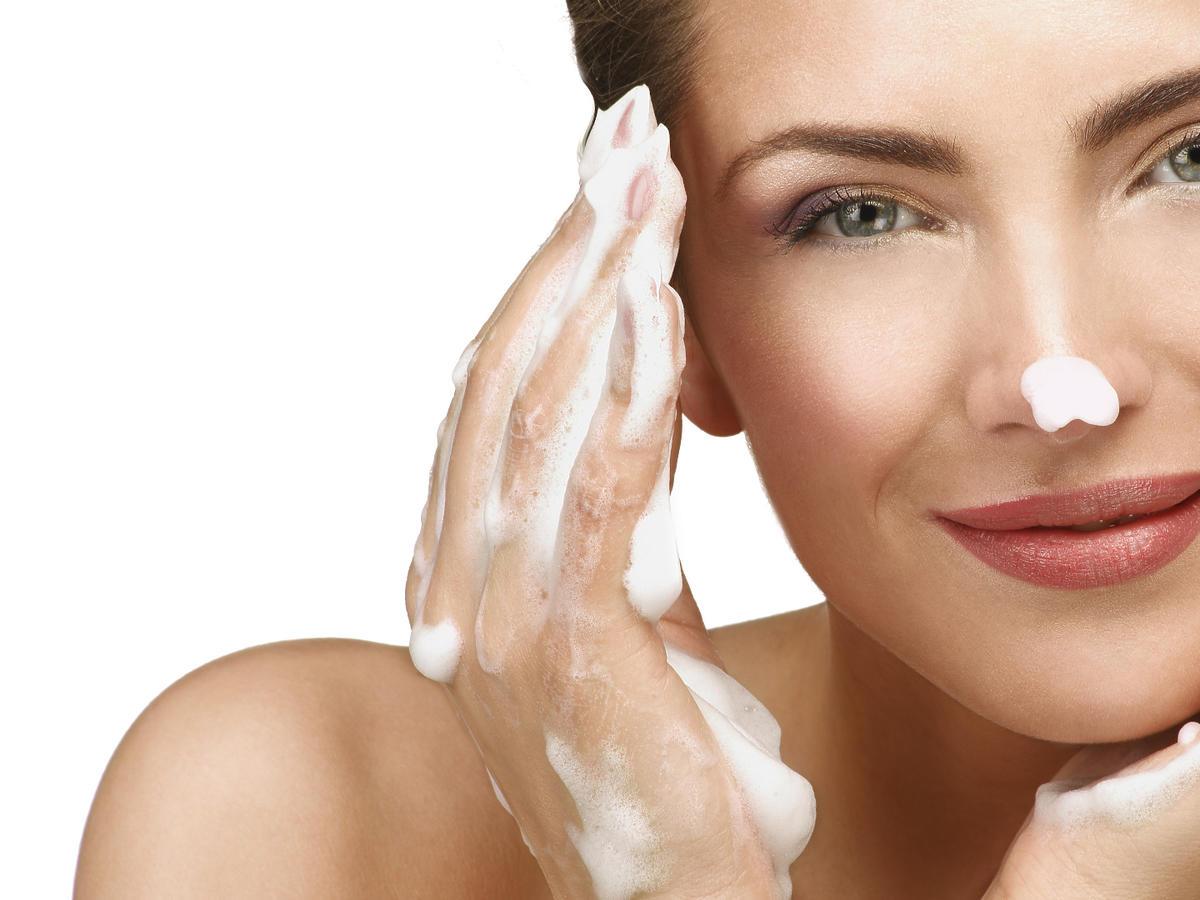 błędy podczas mycia twarzy