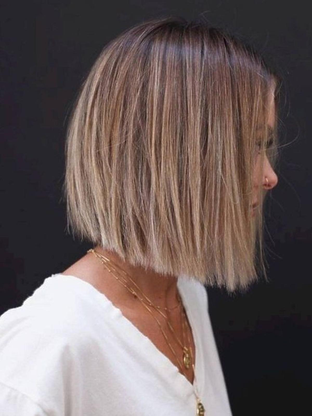 Klasyczny blunt bob - modne fryzury jesień zima 2020