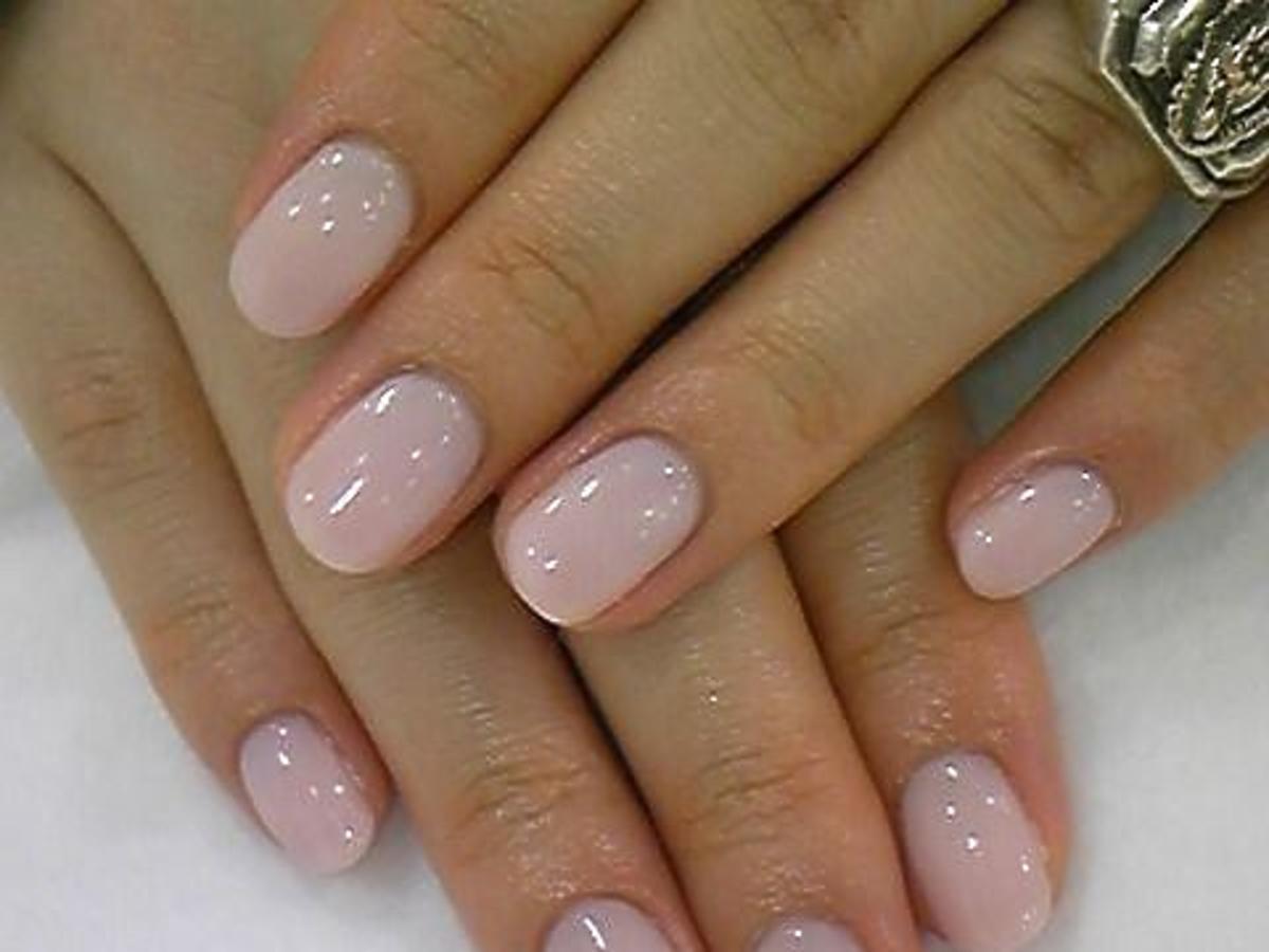 błyszczący manicure