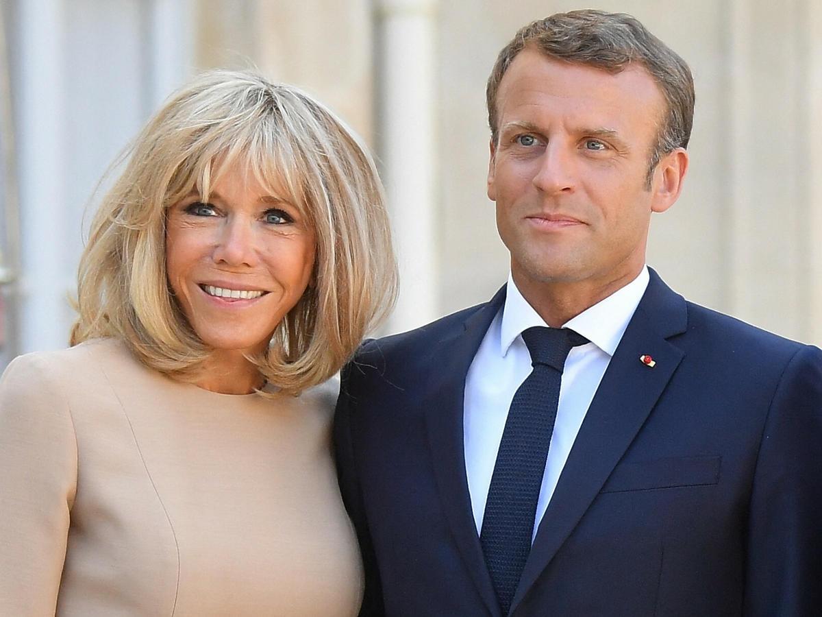 Brigitte Macron zrezygnowała z kultowego boba. W nowej fryzurze jest nie do poznania!