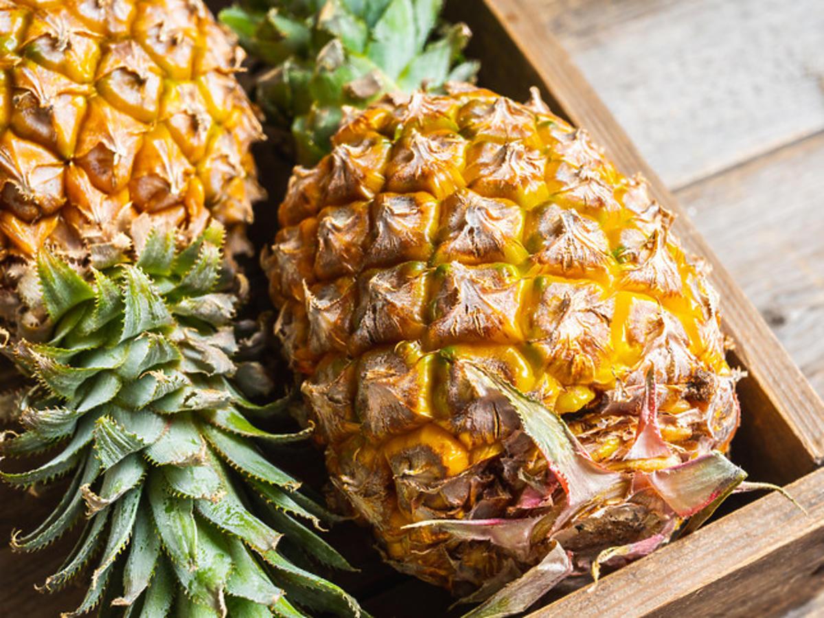 bromelaina w ananasie