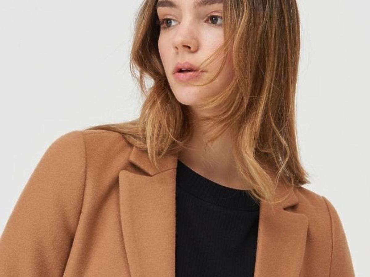 Camelowy płaszcz z Sinsay