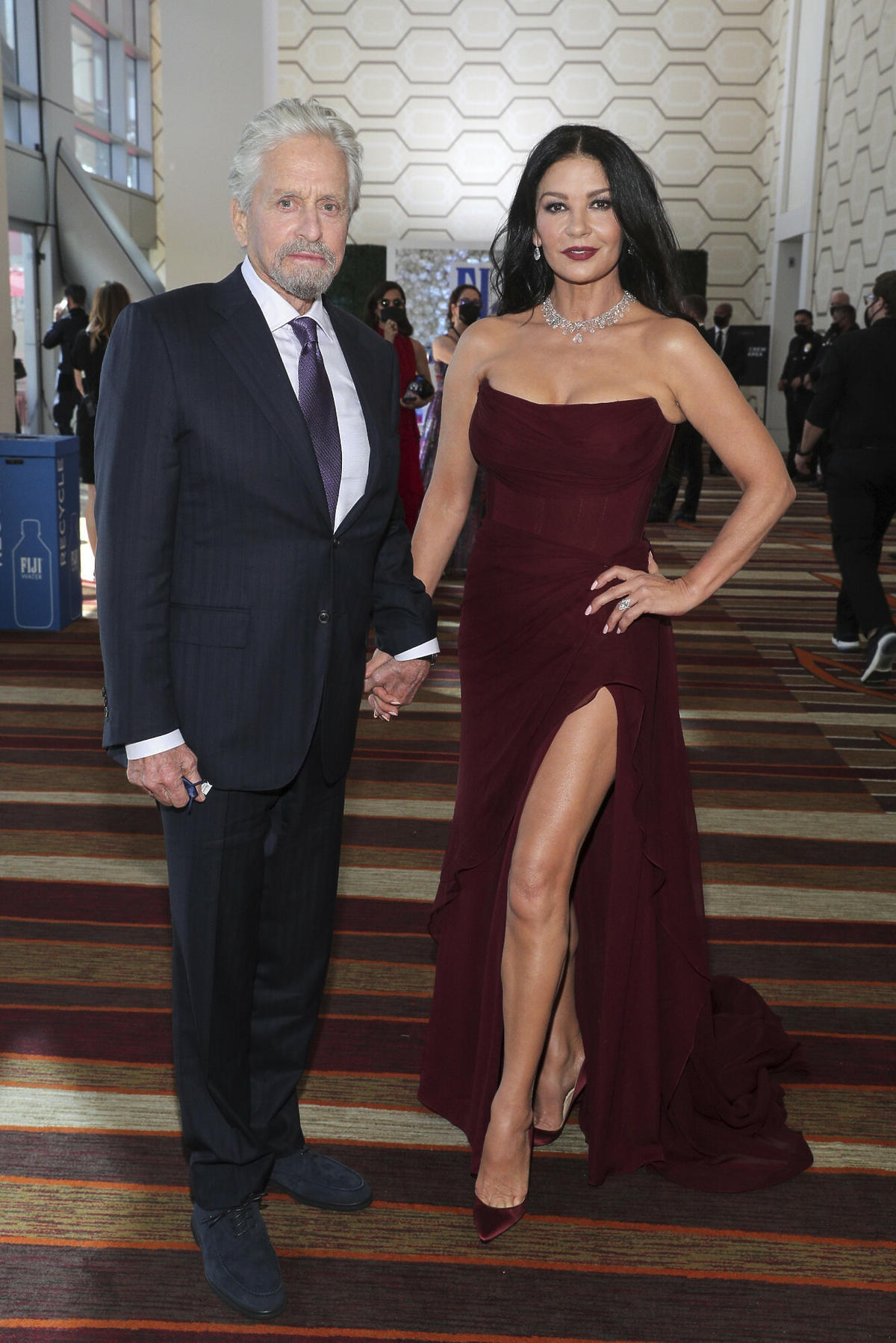 Catherine Zeta-Jones u boku męża Michaela Douglas'a na Emmy 2021