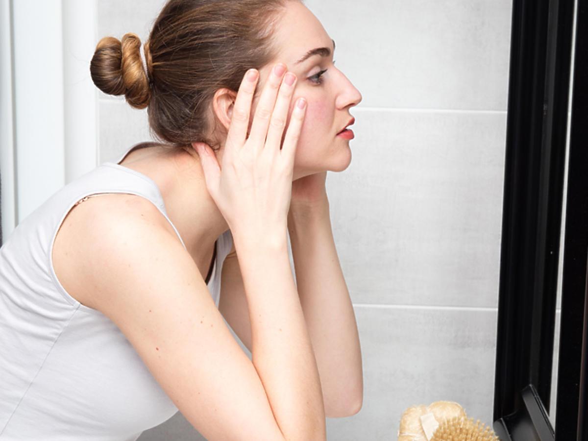 ceramidy co to jest działanie ceramidy w kosmetykach