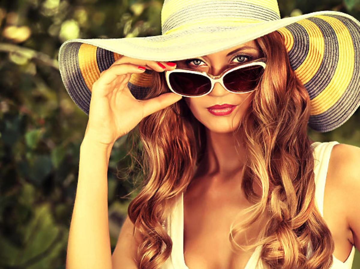 Chroń włosy latem – przegląd kosmetyków z filtrami