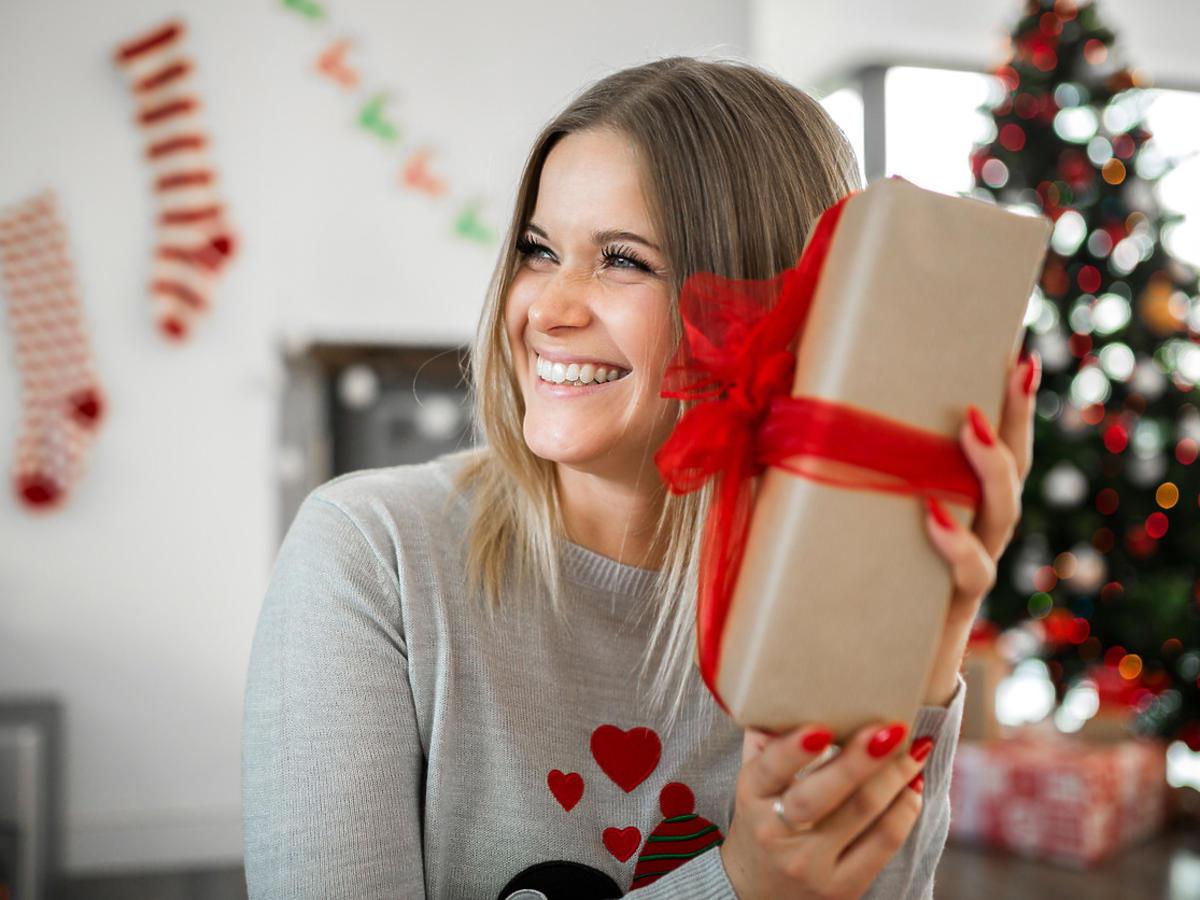 co kupić na prezent kobiecie - pomysł na prezent na Boże Narodzenie