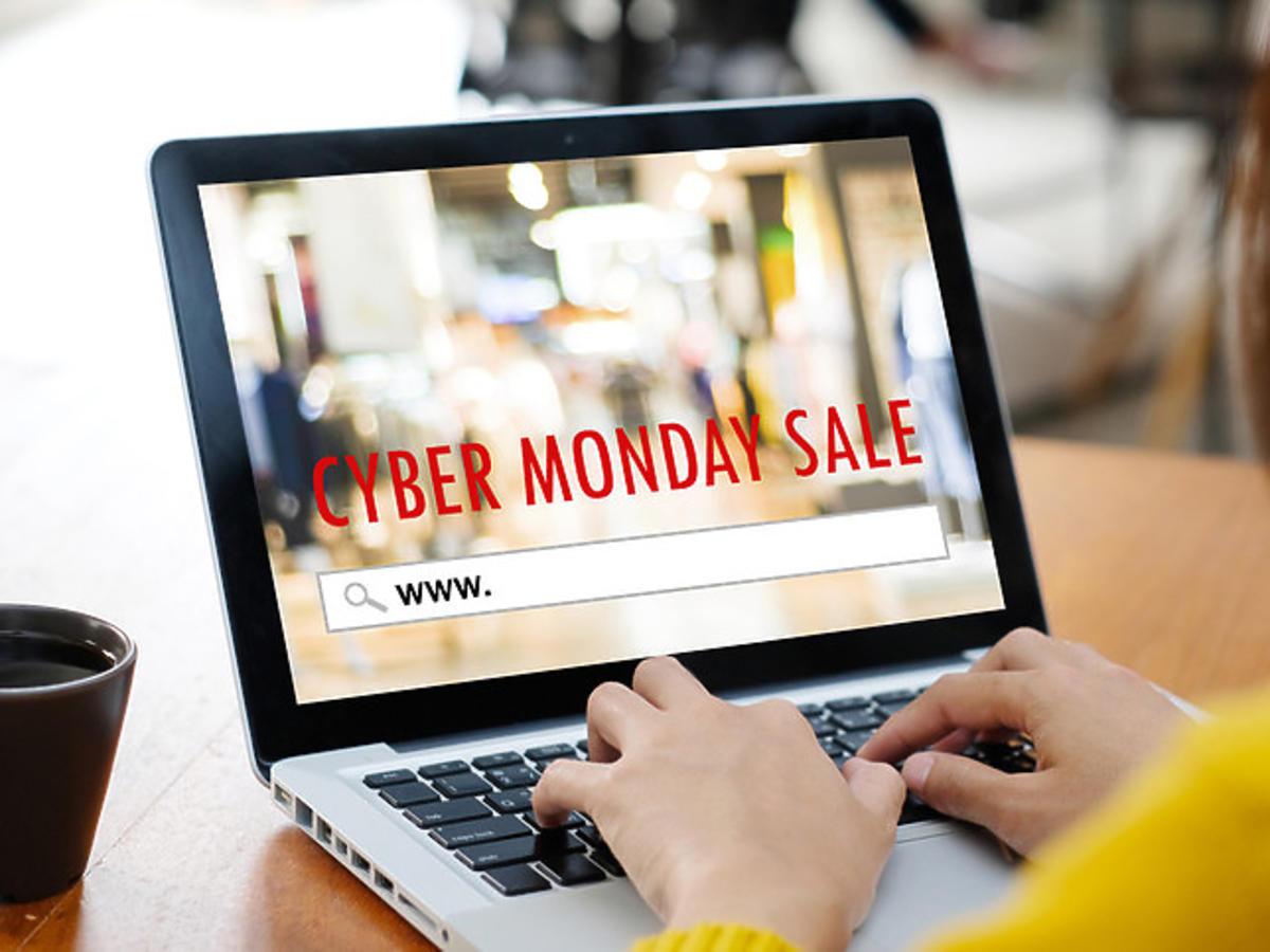 cyber monday w sieciówkach