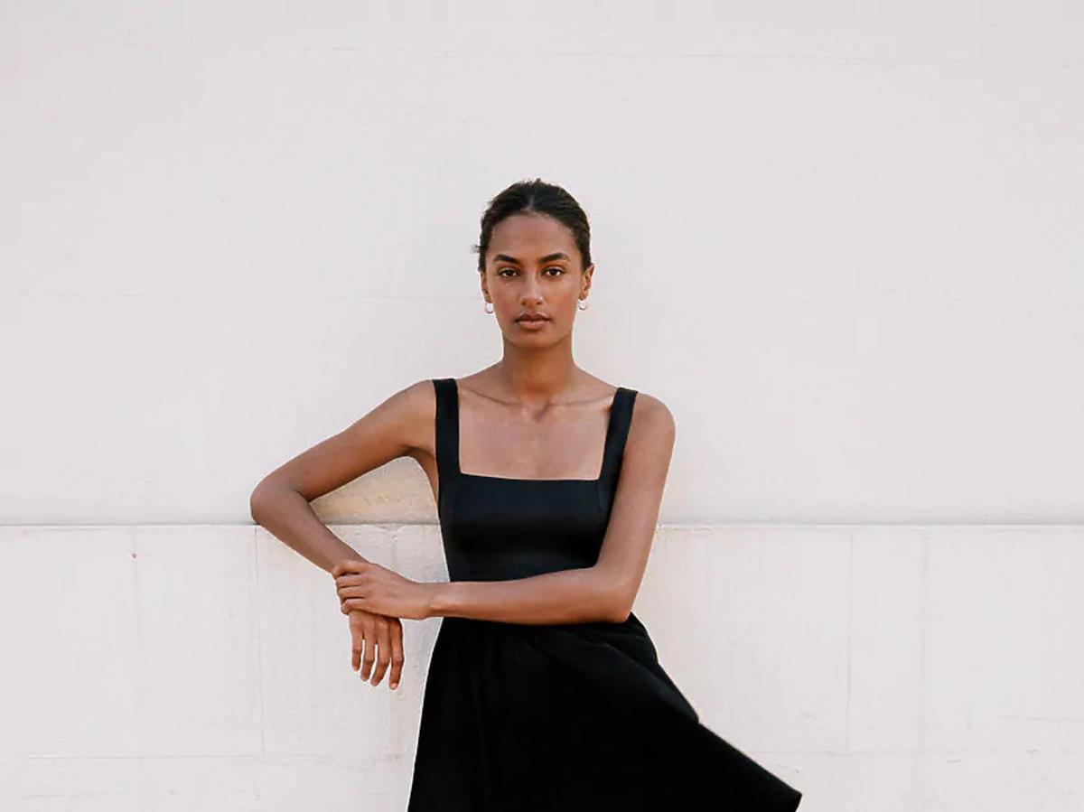 czarna sukienka z Zary