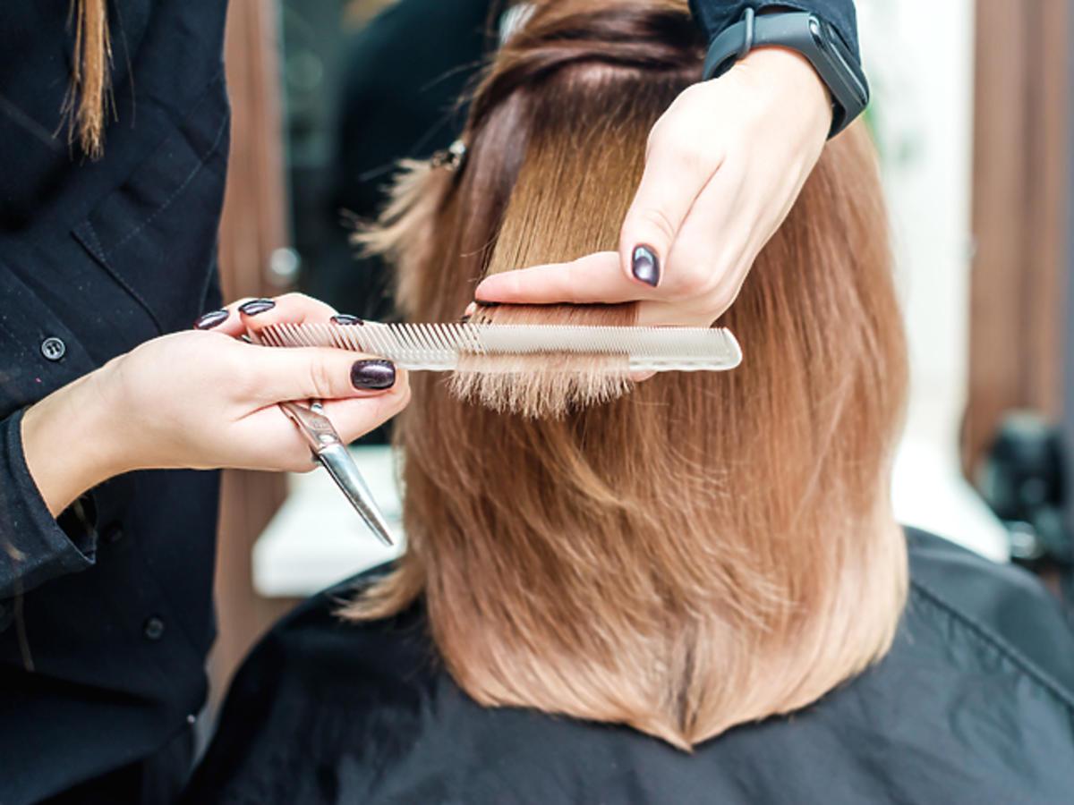 Czy chodzenie do fryzjera w dobie koronawirusa jest bezpieczne?