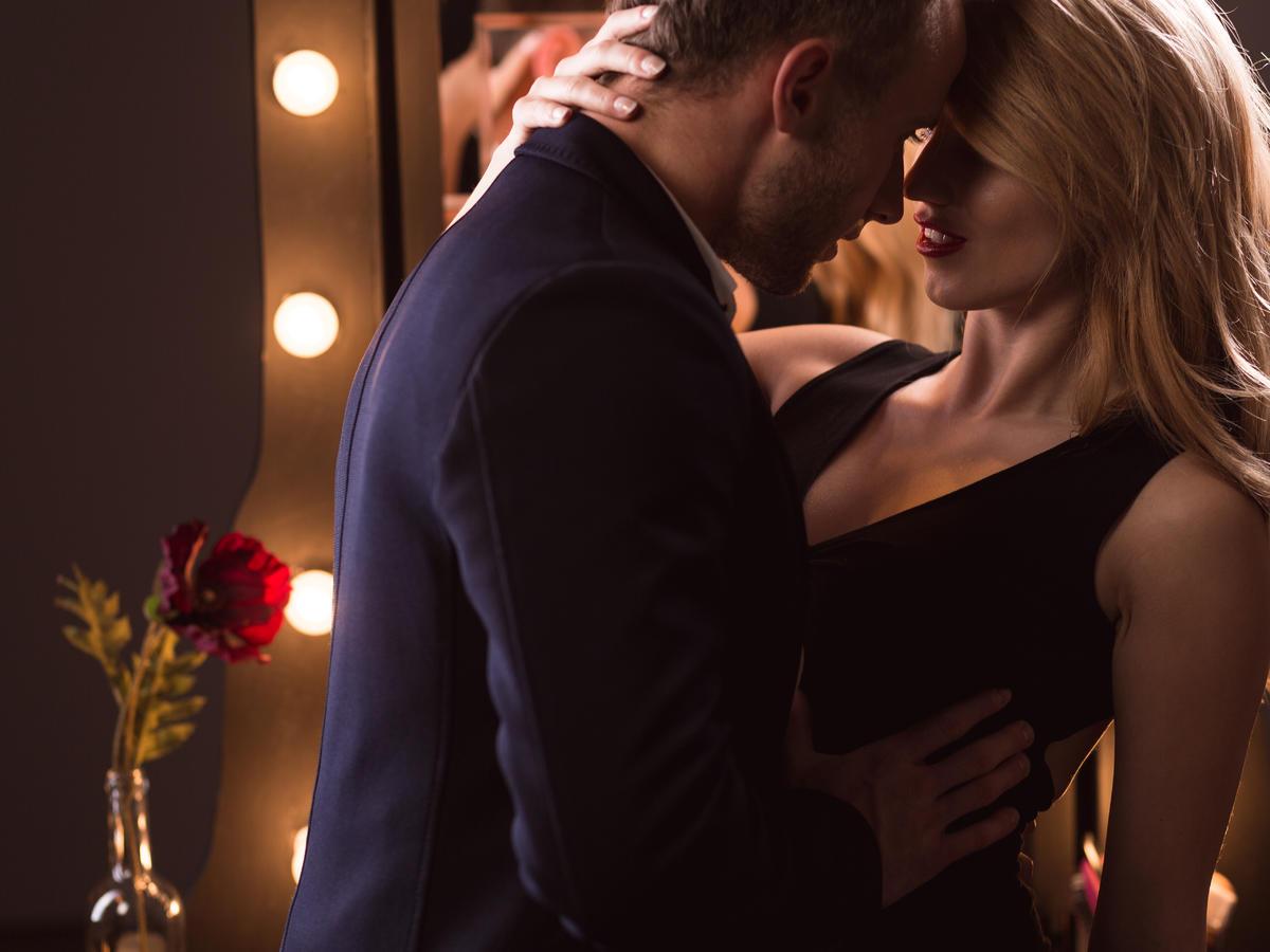 Czym jest situationship i czy warto zdecydować się na taki seks?