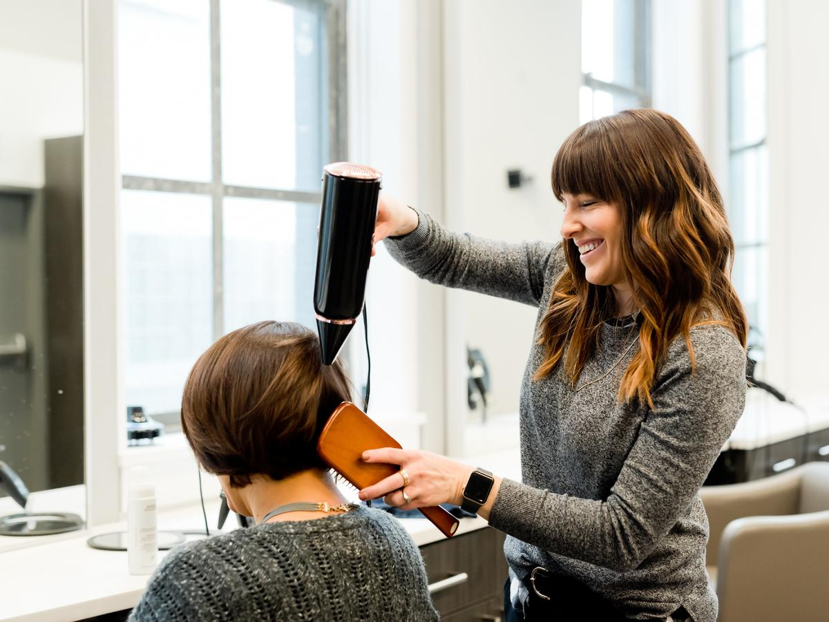 Data otwarcia salonów fryzjerskich