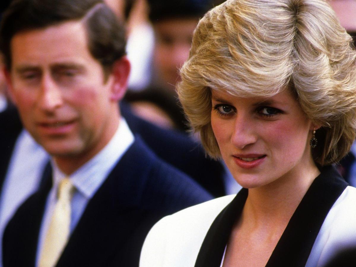 Dlaczego księżna Diana nosiła dwa zegarki jednocześnie?