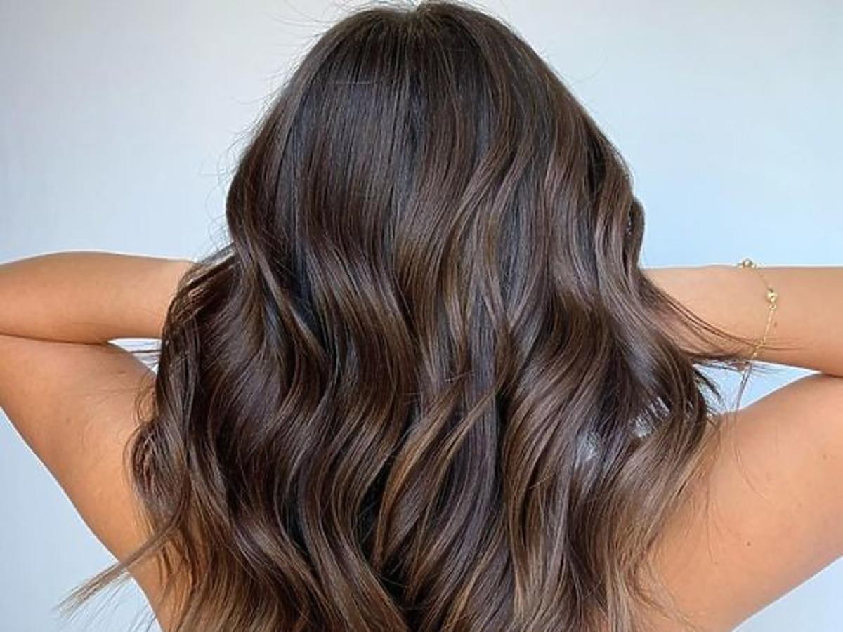 Długie lśniące włosy
