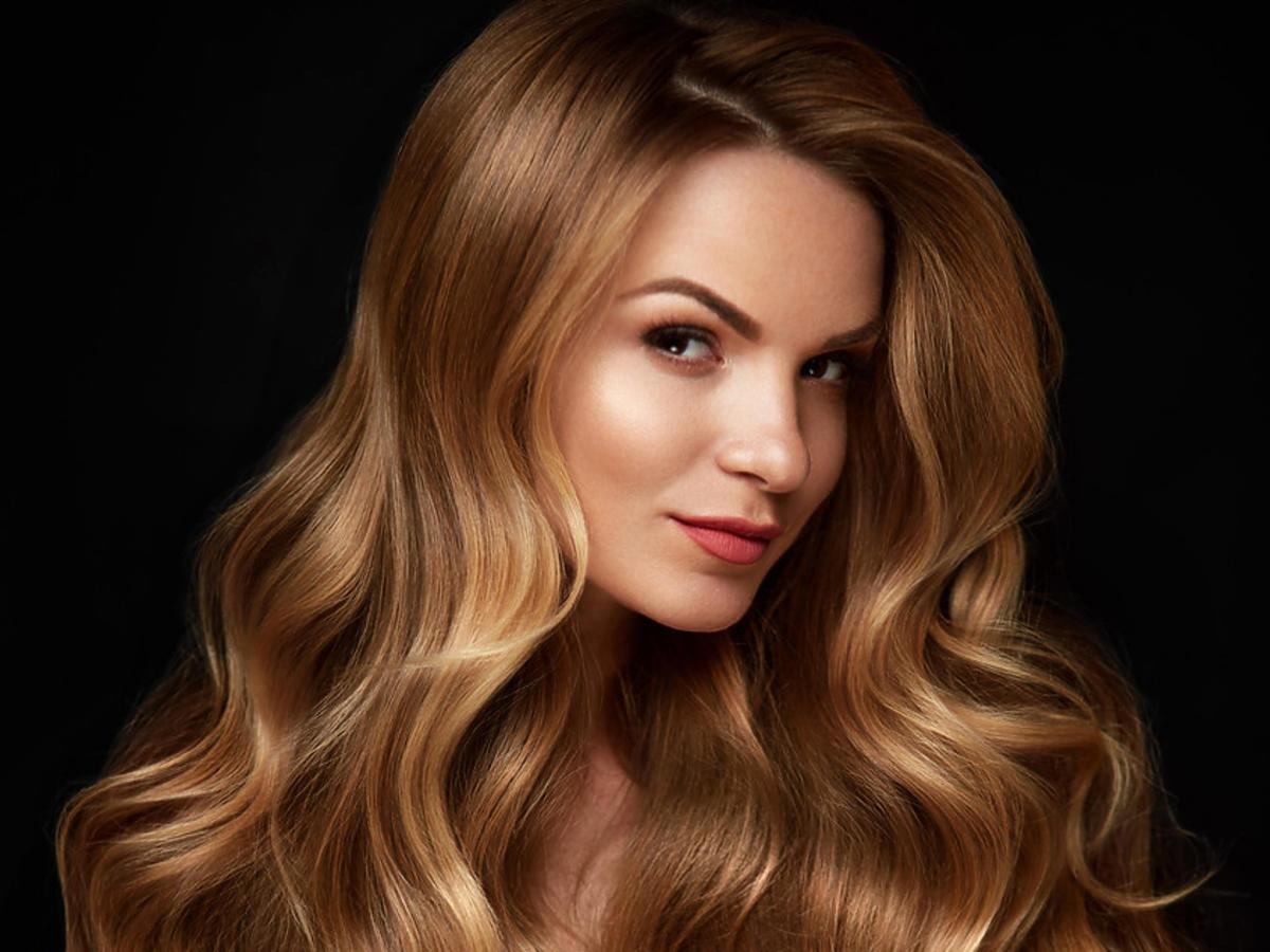 długie włosy po stosowaniu wcierki do włosów