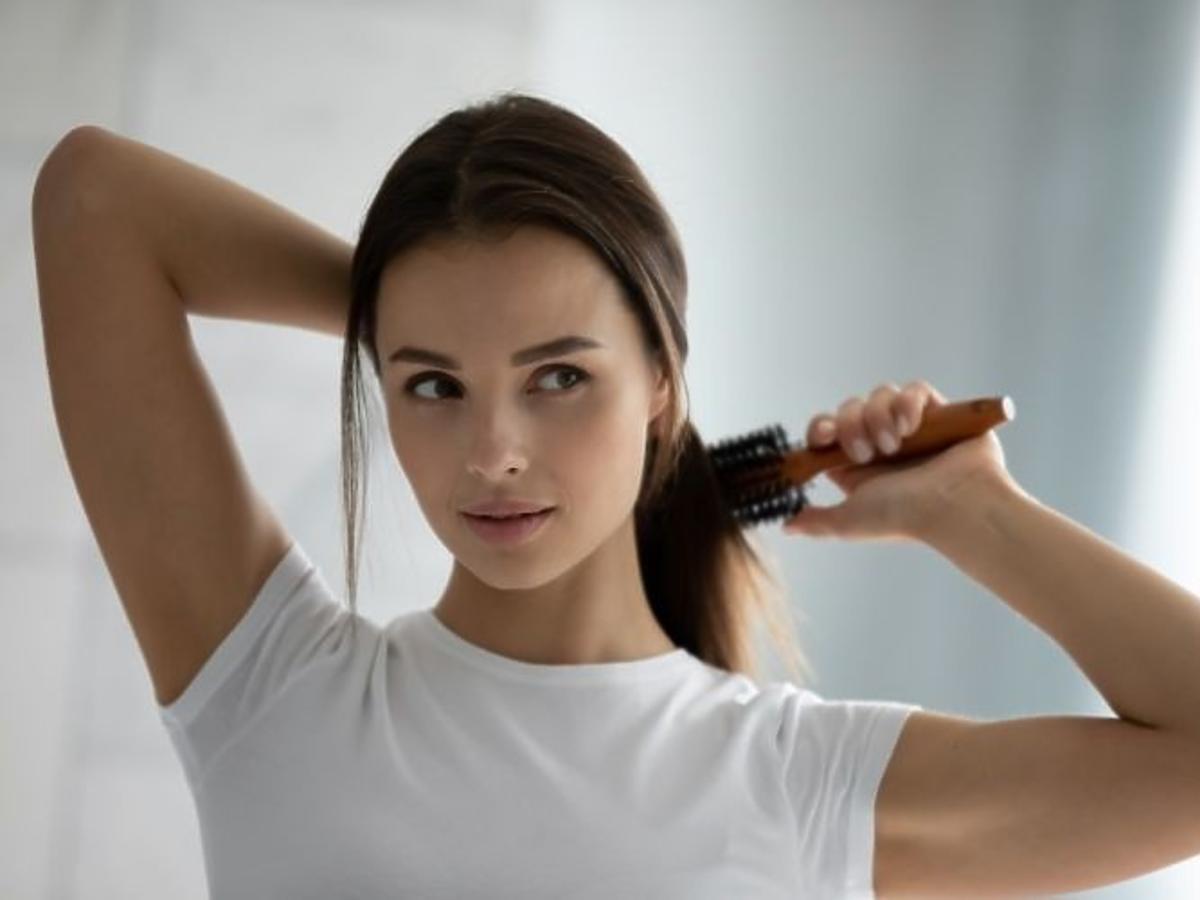 Długie włosy po stosowaniu wcierki do włosów Jantar