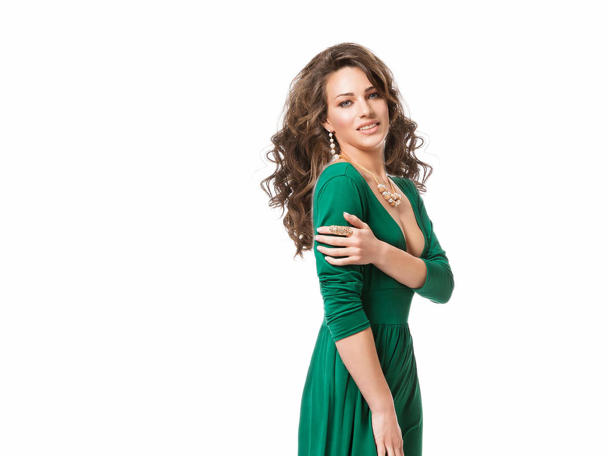 dodatki do zielonej sukienki