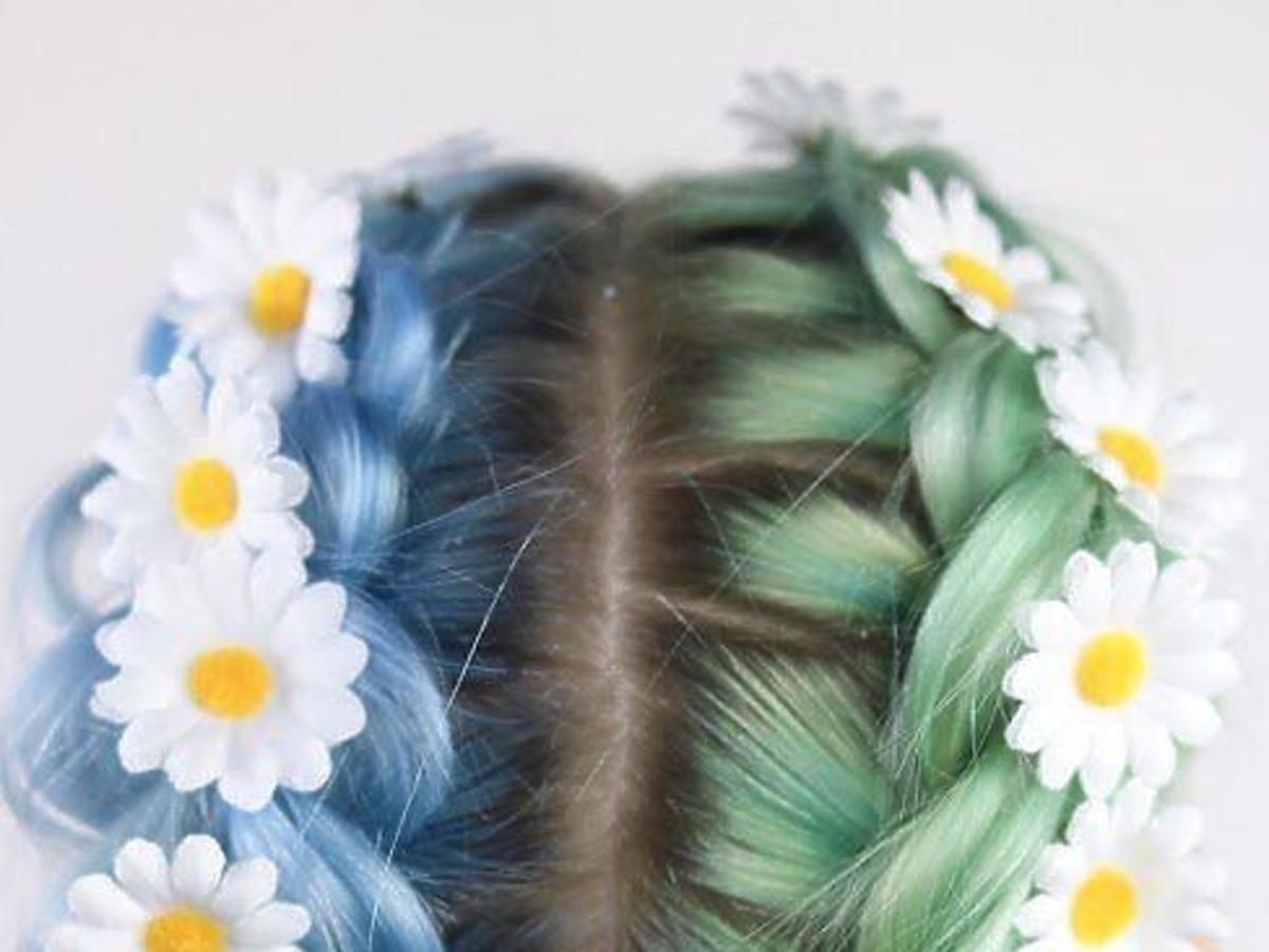 Dwykolorowe włosy trendem na jesień 2019. Jak wyglądają?
