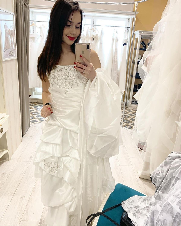 dziewczyna Piotra Żyły w sukni ślubnej
