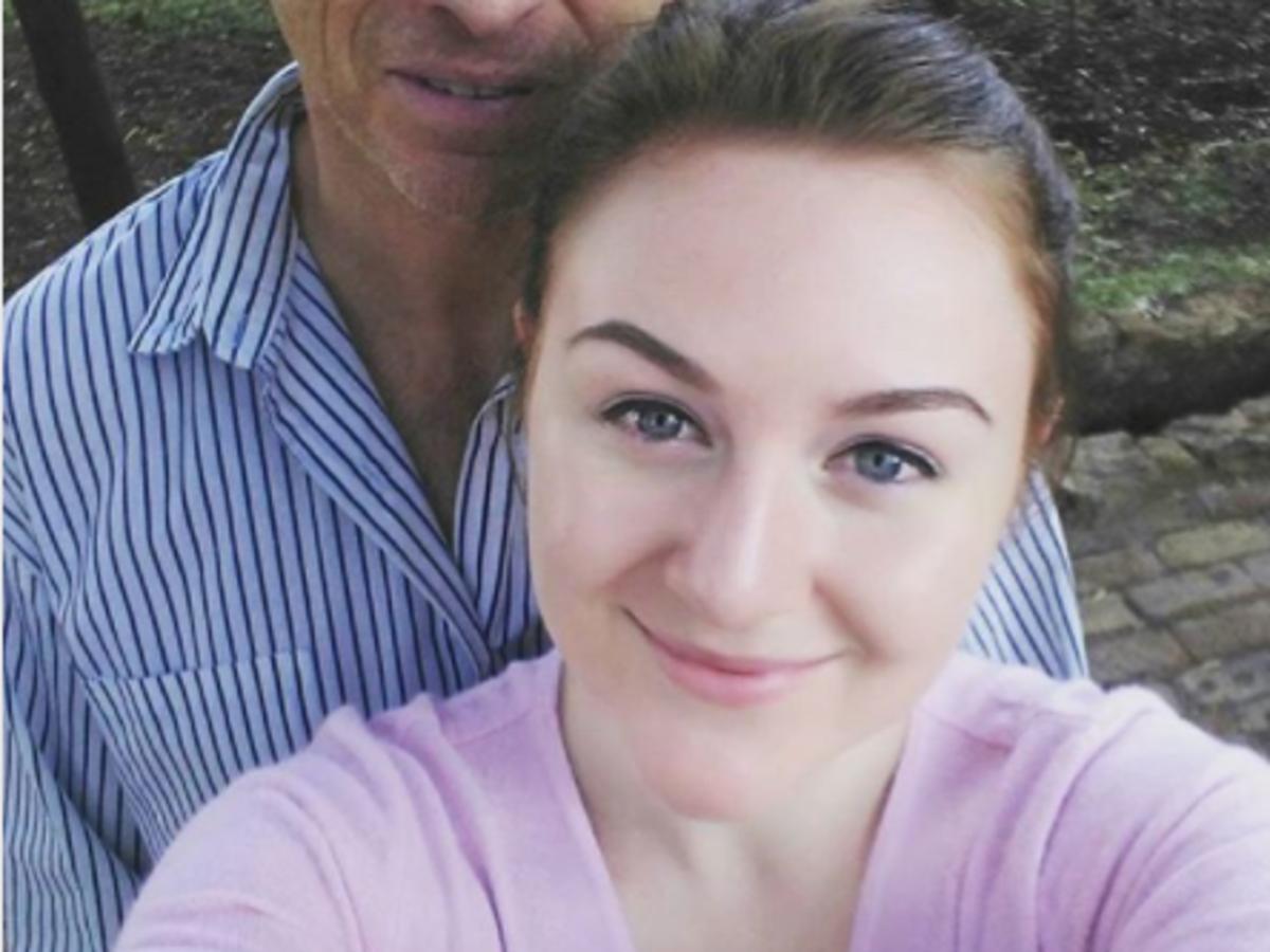 dziewczyna z mężem o 30 lat od niej starszym