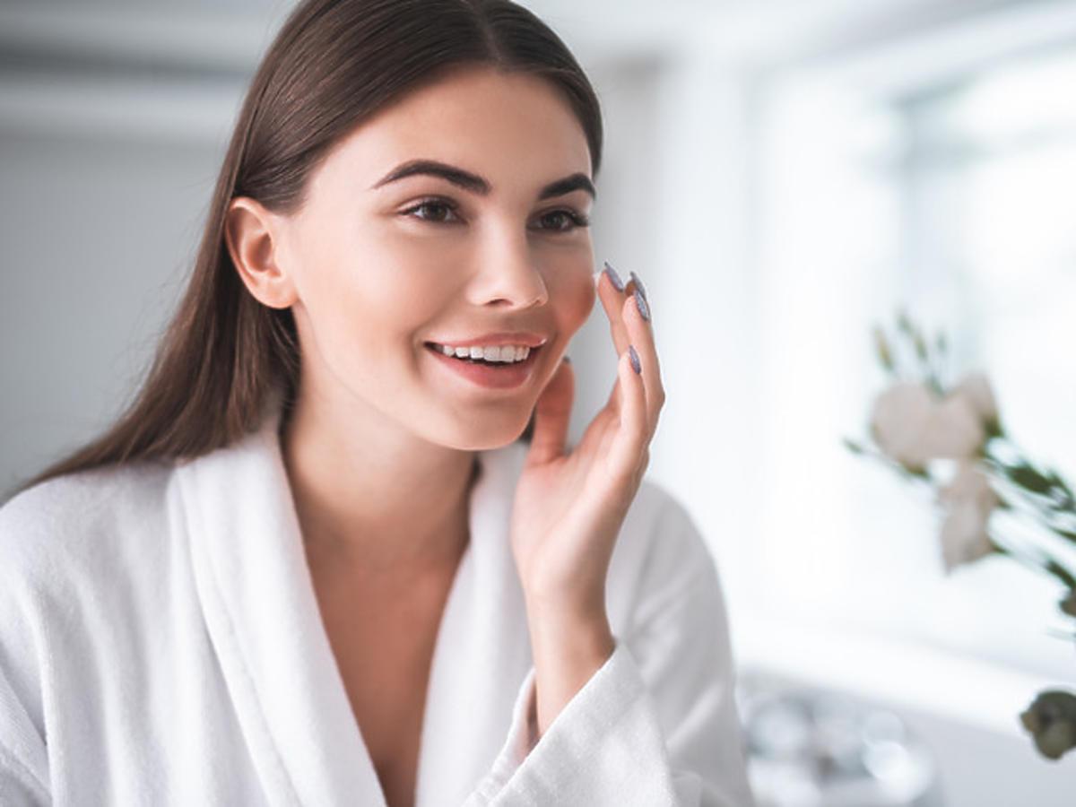 efekt młodej skóry po zastosowaniu bazy pod makijaż
